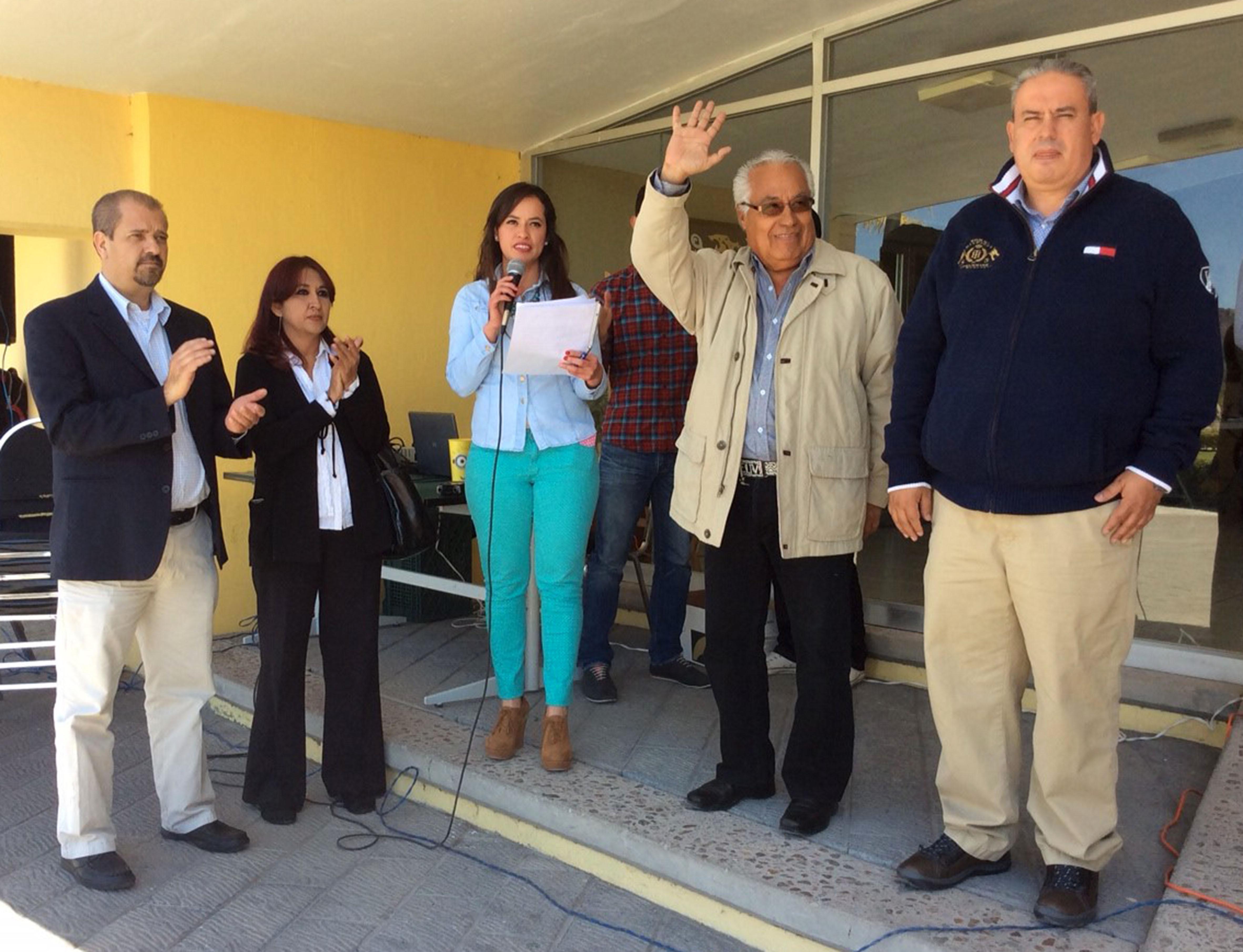 coordinador de Extensión del CUCSur y jefa de la Unidad de Vinculación de Cultura UDG