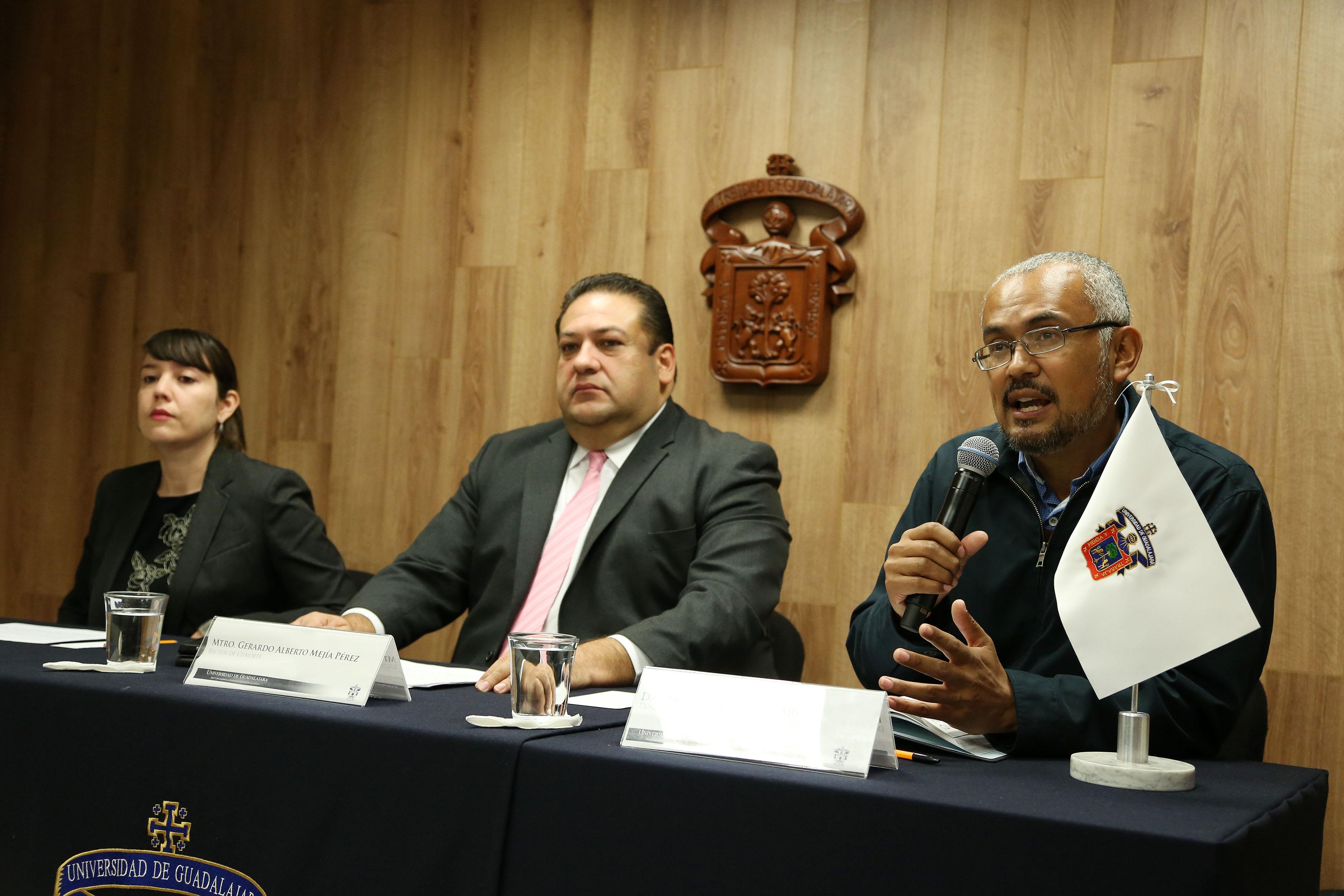 Haciendo uso de la voz el doctor en Antropología, Miguel Angel Paz Traide,