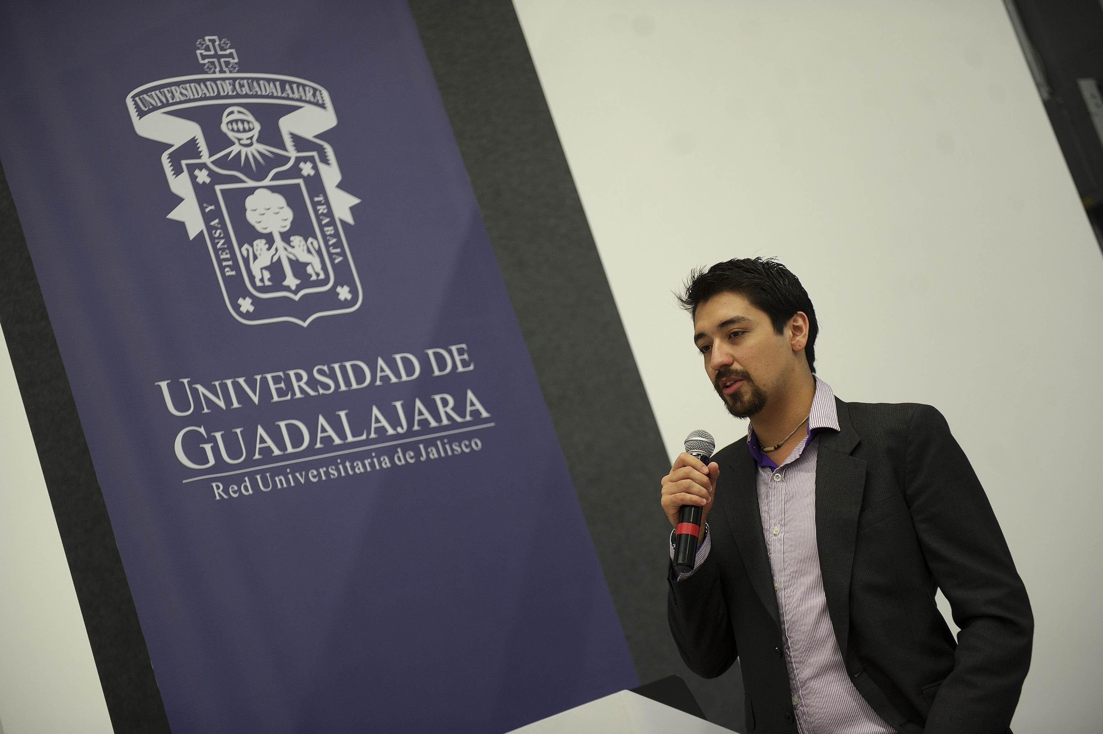 Arturo Castillo Ramos en el Pabellón de la UdeG, dentro de Campus Party México 2015,