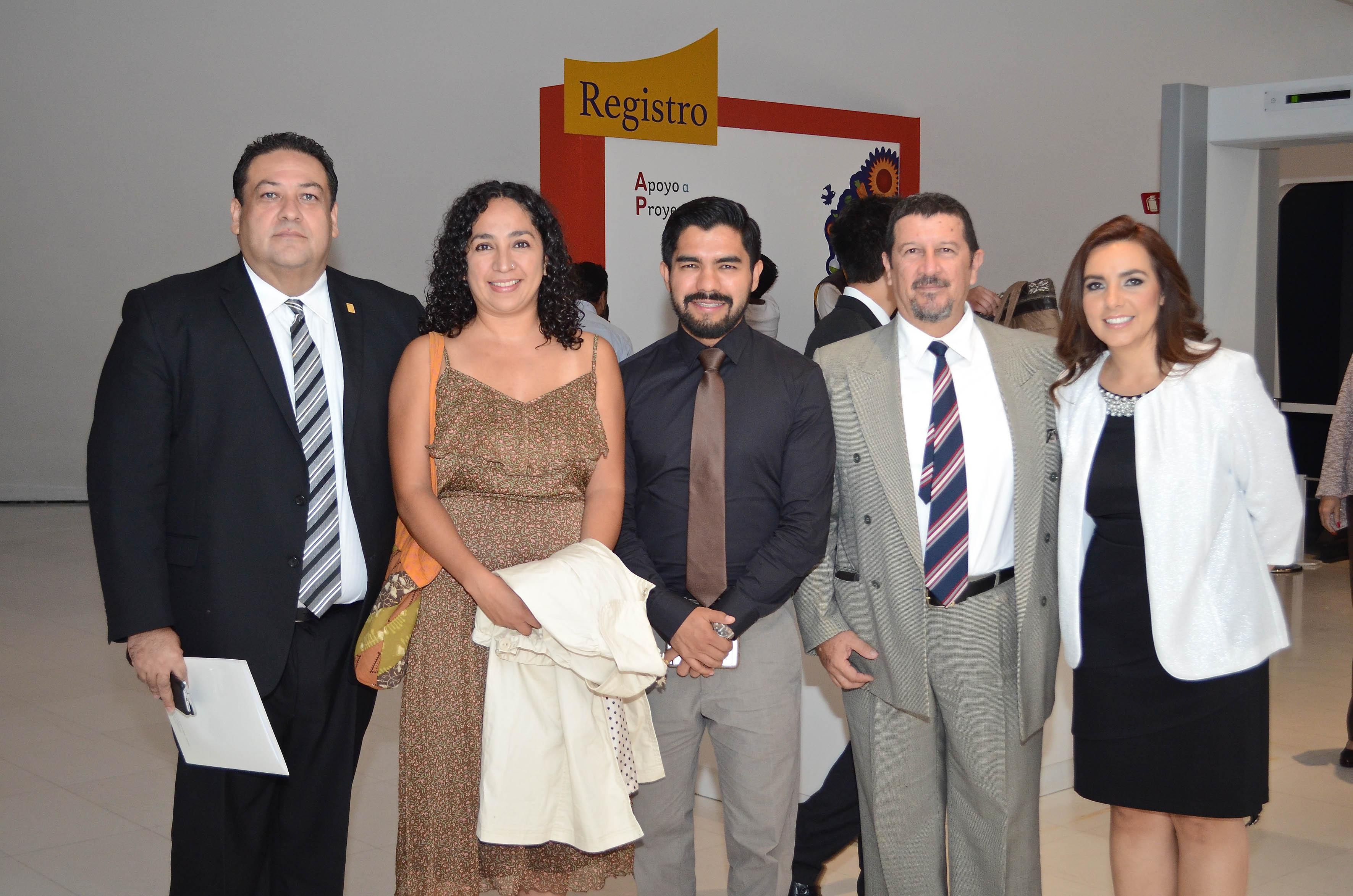 """Participantes del proyecto """"Protocolo intercultural de atención médica para el wixárika con diabetes tipo 2"""""""