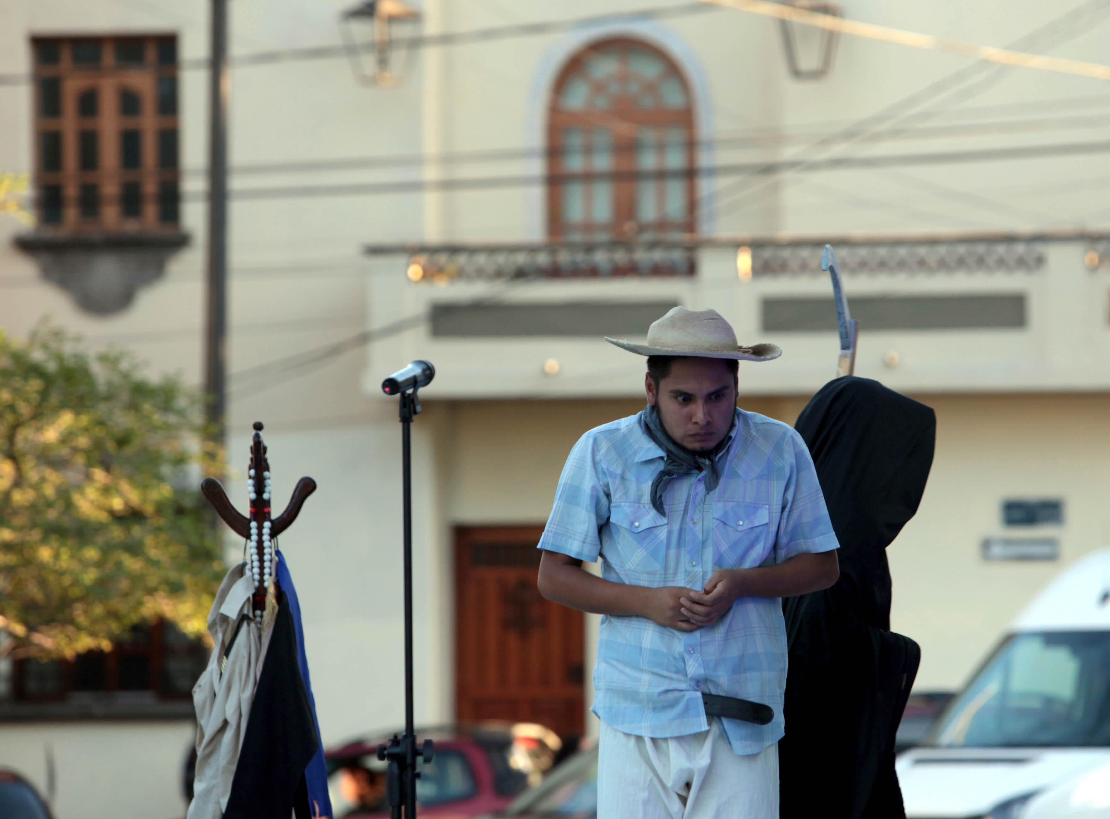 Integrante de la obra de teatro presentada en la Rambla Cataluña