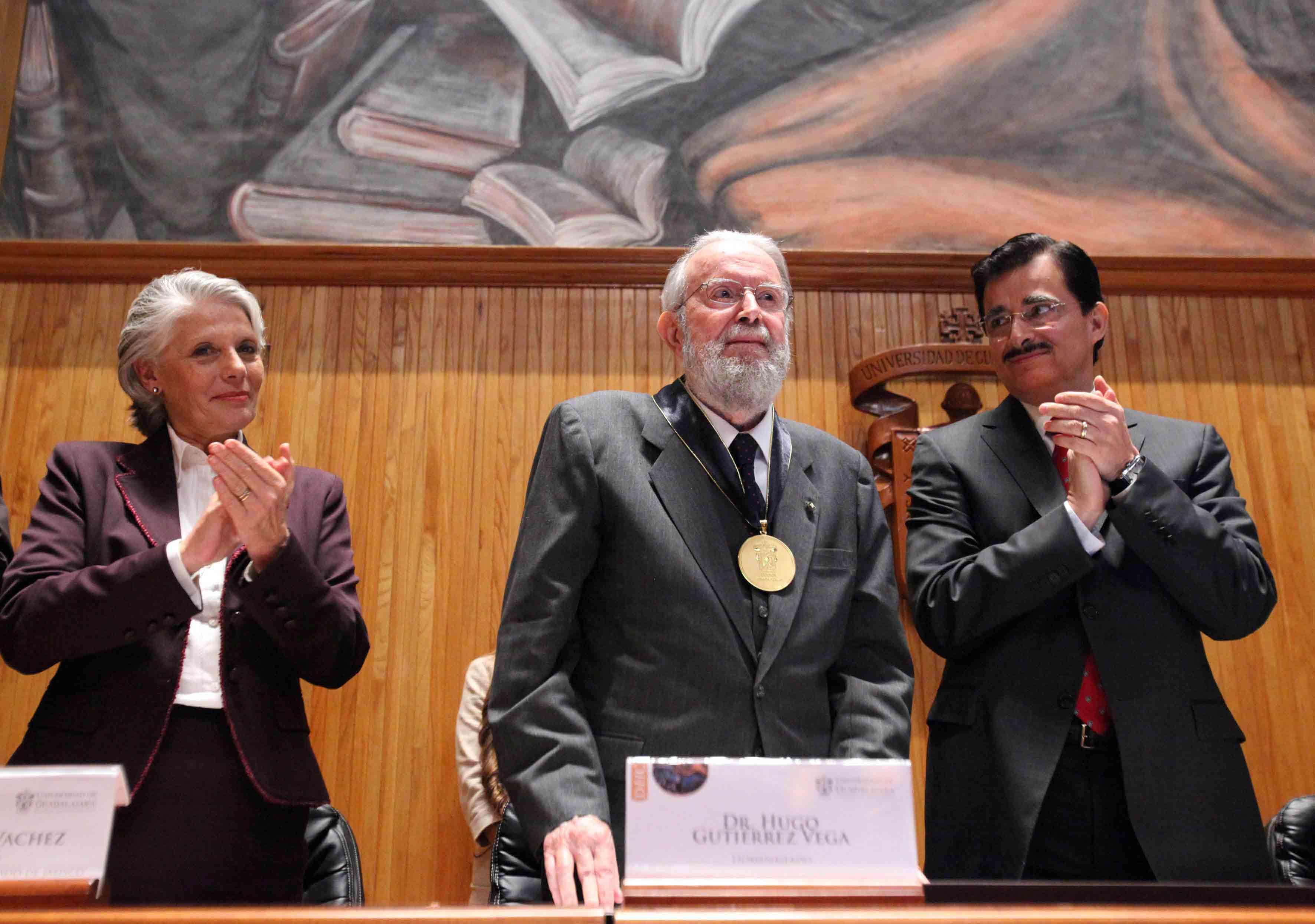 Doctor Honoris Hugo Gutiérrez Vega