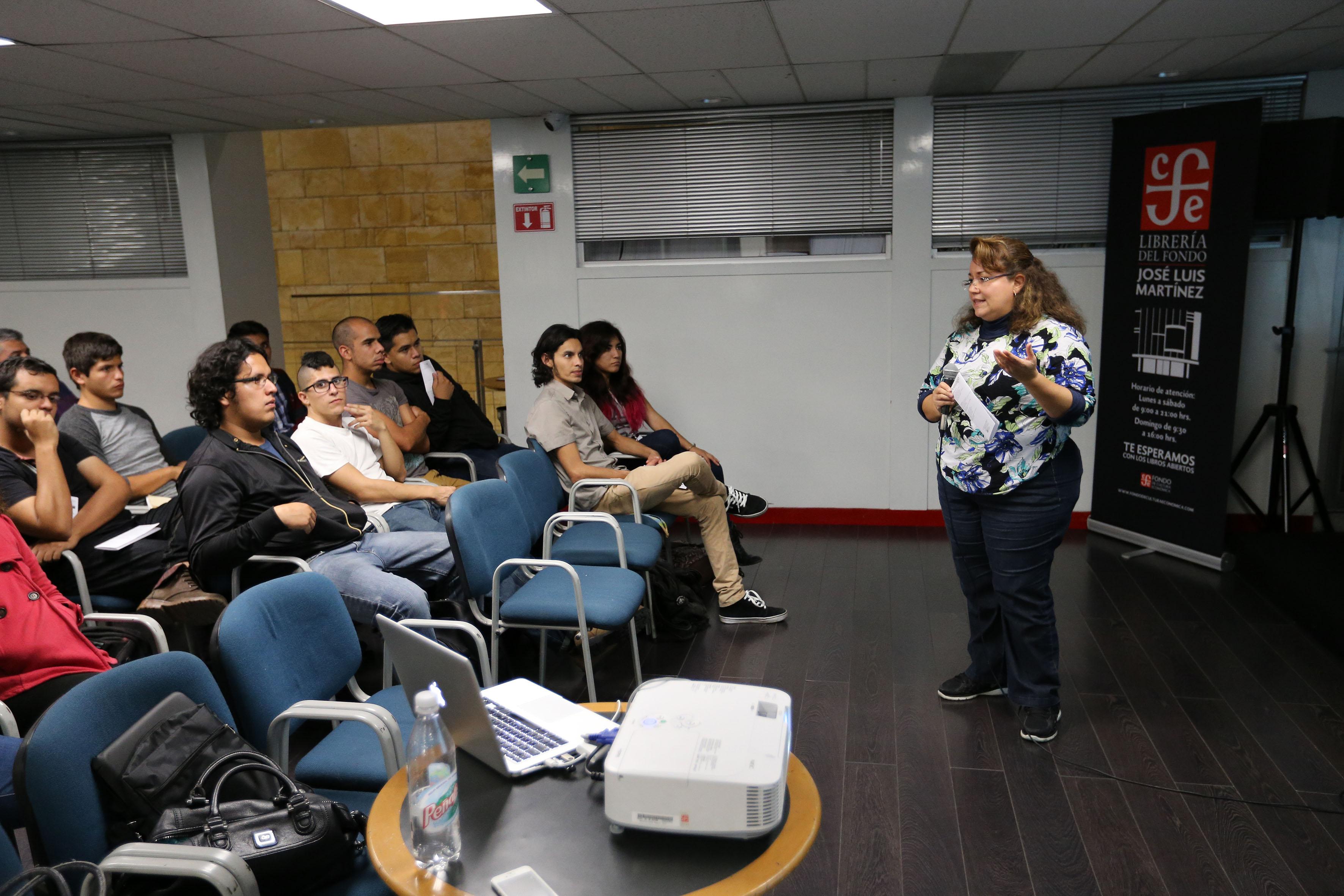 """Participante en el ciclo de conferencias: """"Ciencia desde lo básico"""", en la Librería José Luis Martínez del Fondo de Cultura Económica,"""