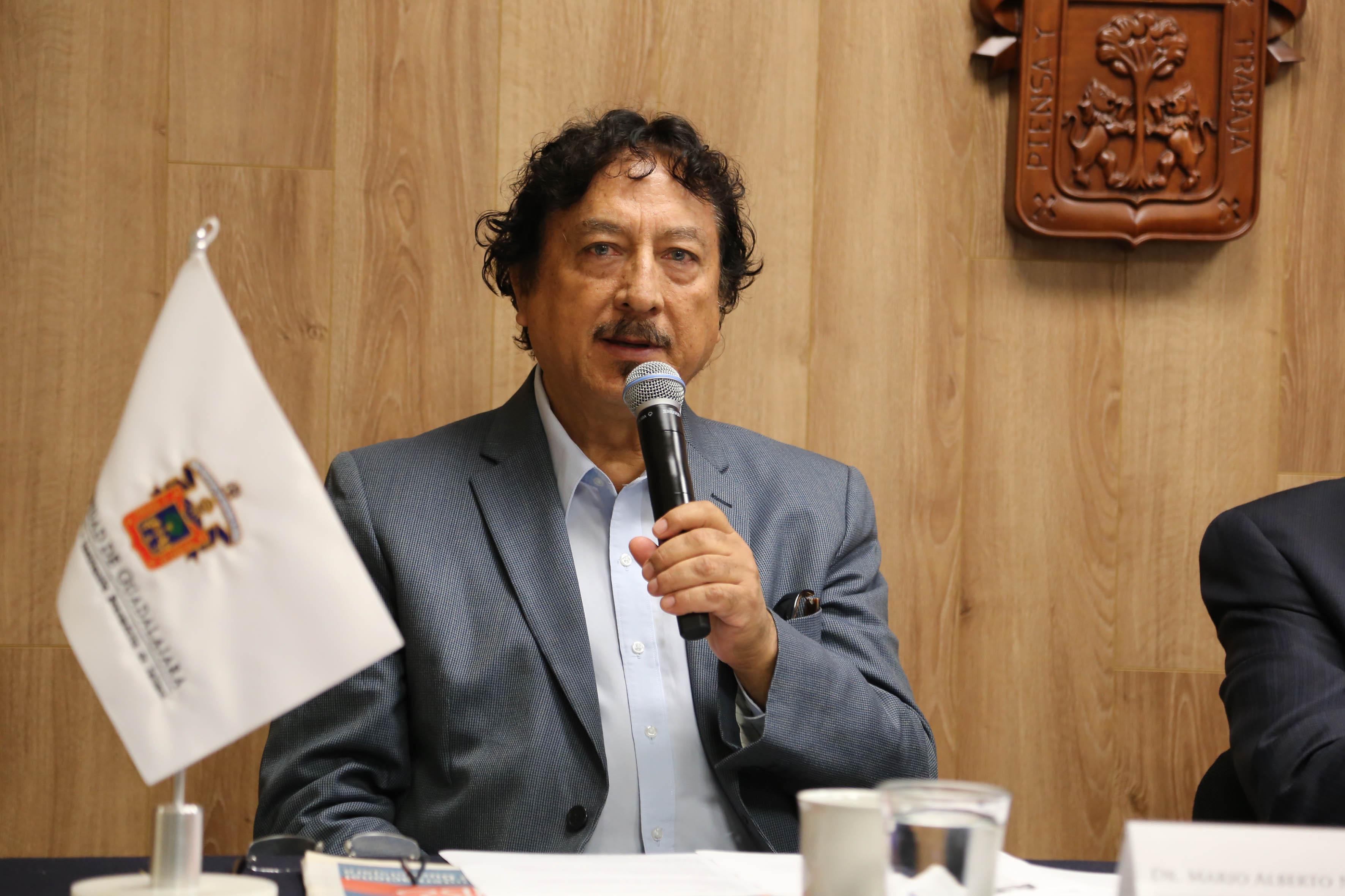 Mario Alberto Nájera Espinoza, jefe del Departamento de estudios sobre movimientos sociales del CUCSH