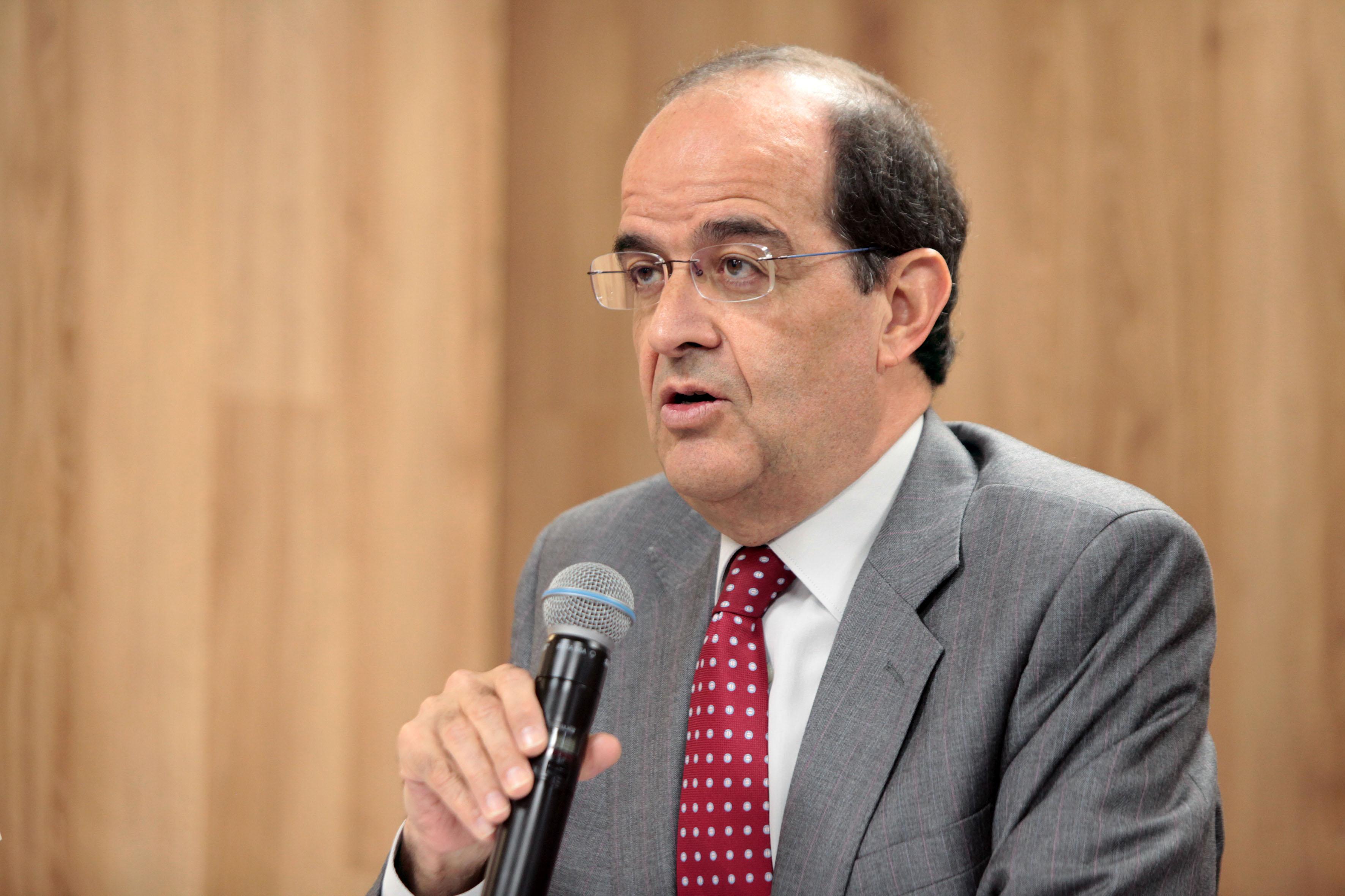 José Luis Piñar Mañas, doctor en derecho por la Universidad Complutense de Madrid.
