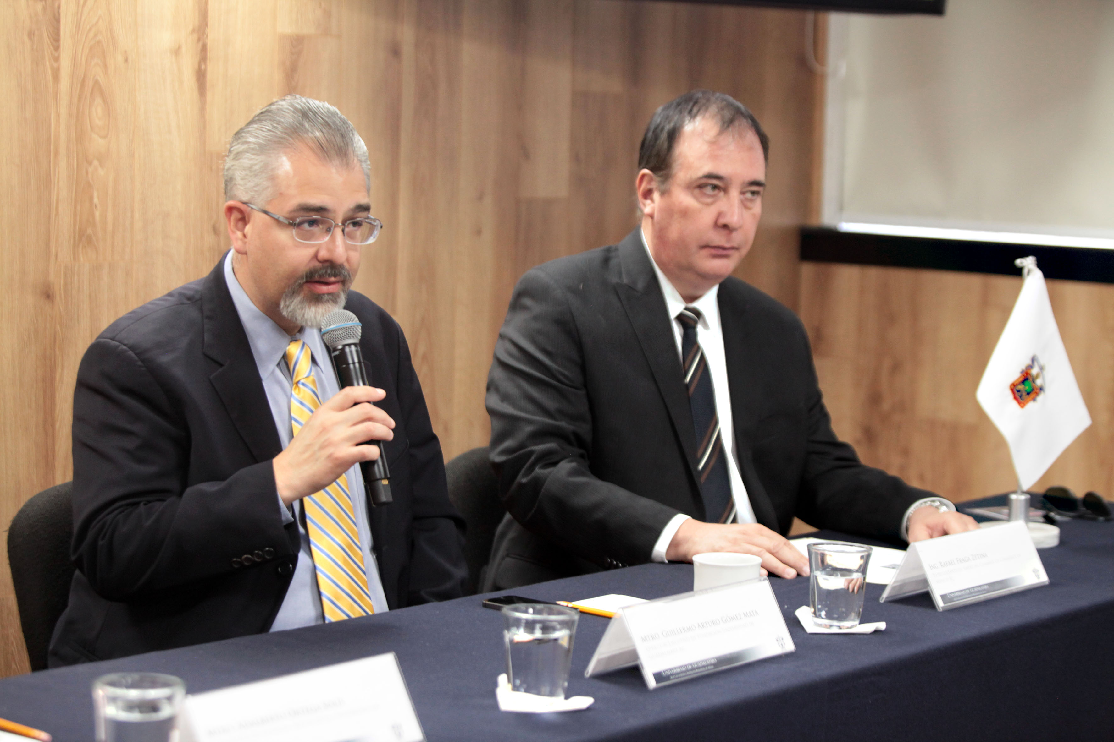 Rueda de prensa para anunciar la conferencia magistral dentro de la Cátedra Adolf B. Horn, organizada por la fundación Universidad de Guadalajara (UdeG), el Consejo Social de la UdeG y la Cámara México Americana de Comercio (American Chamber of Commerce).