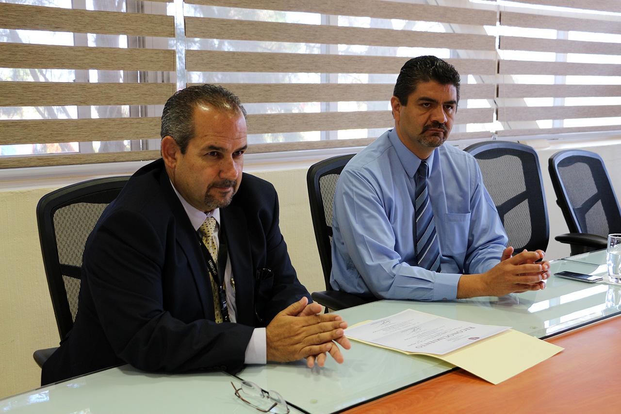 El director de la Jurisdicción Sanitaria Sergio Armando González Aceves.