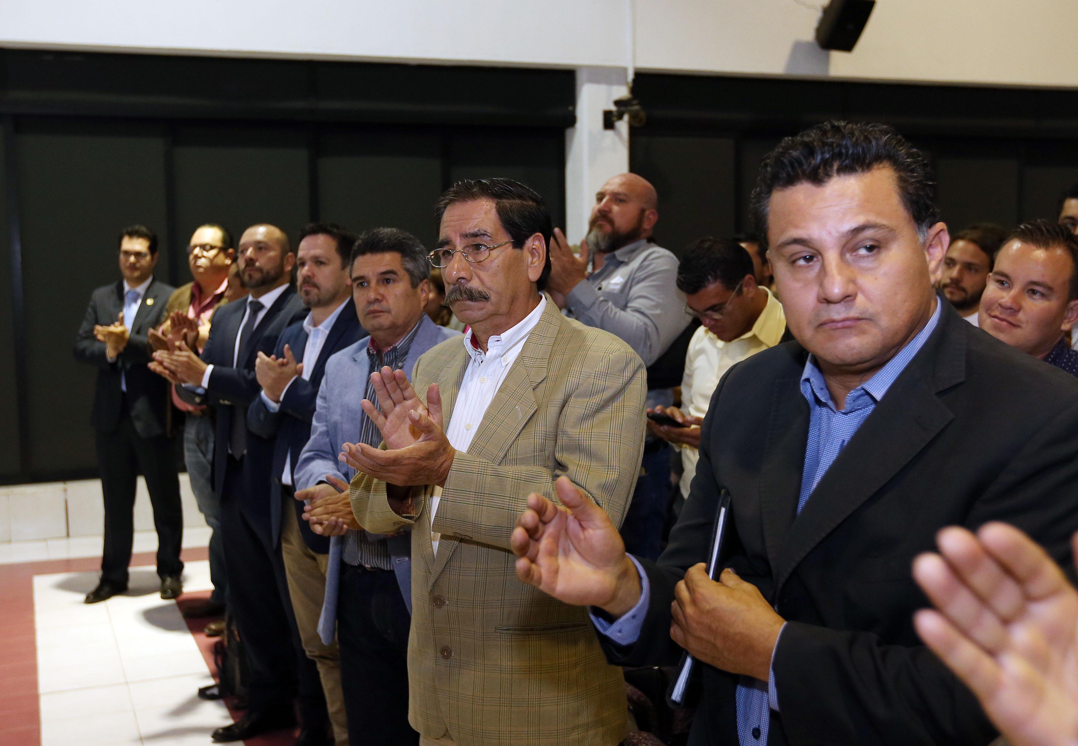 Público asistente a la ceremonia de protesta del nombramiento del Rector del CUCBA.