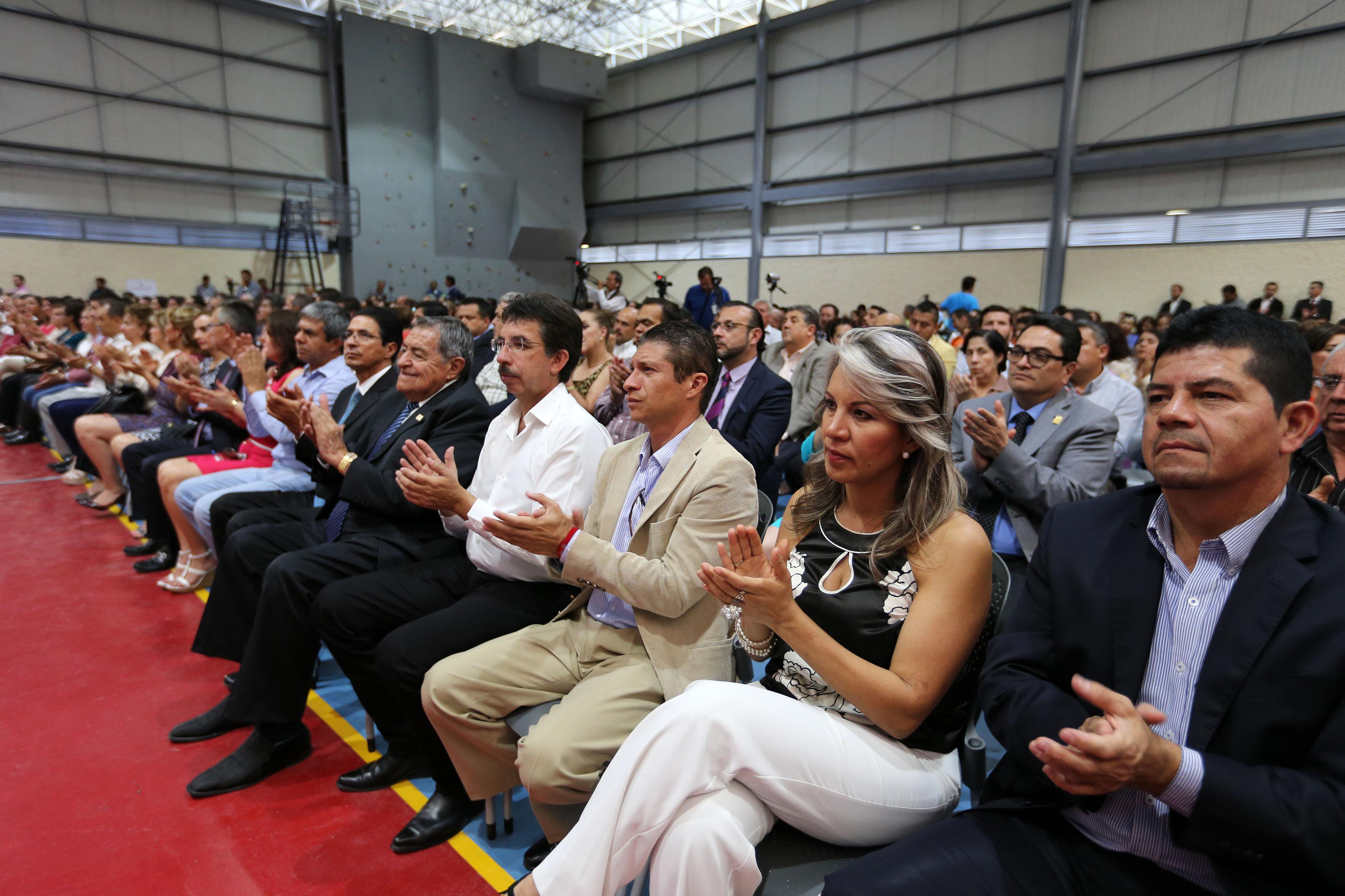 Publico asistente a la toma de protesta del Dr. Rocardo Xicoténcatl García Cauzor