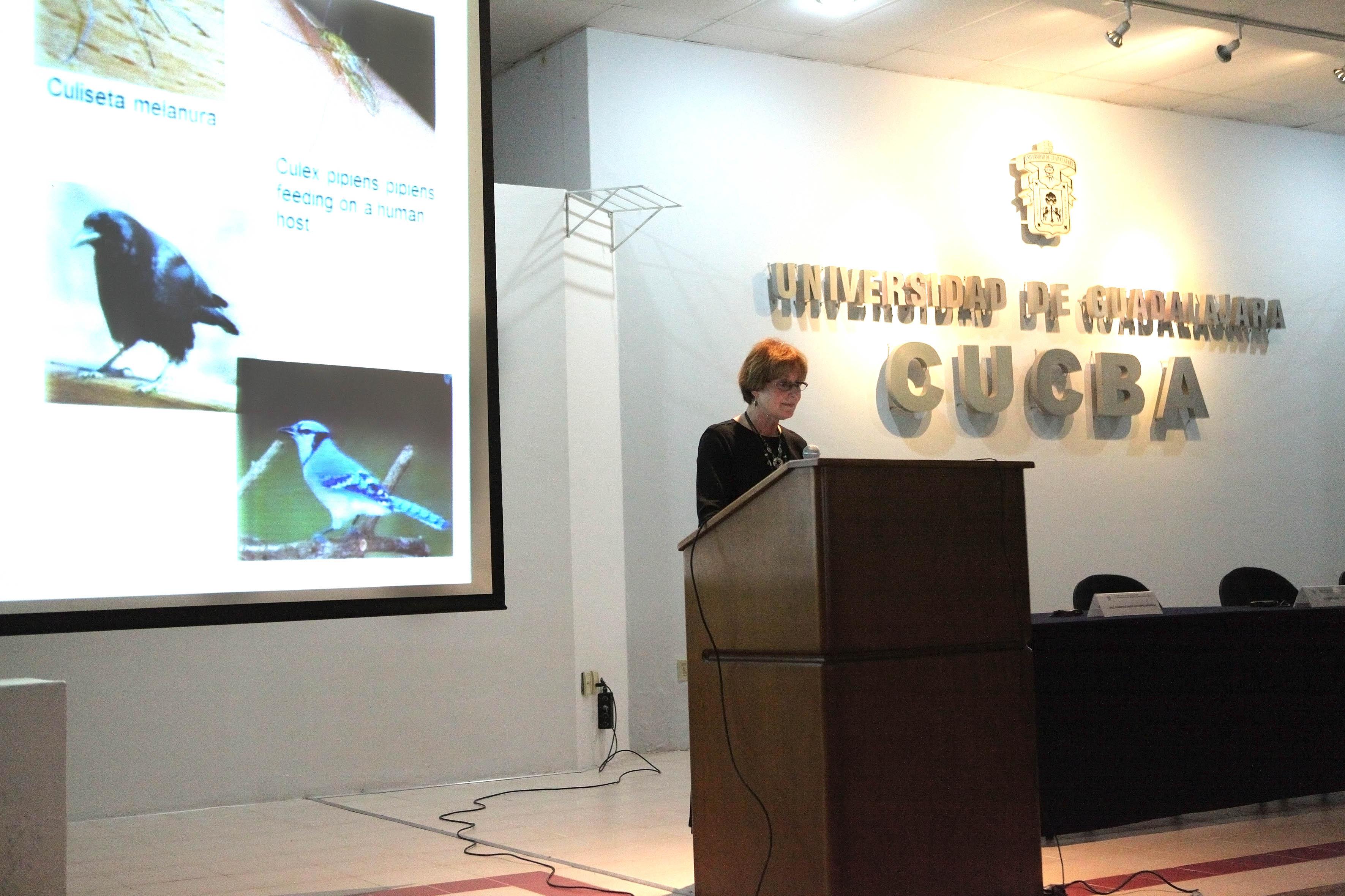 Presidenta de la Asociación Mundial Veterinaria, doctora René Carlson haciendo uso de la palabra