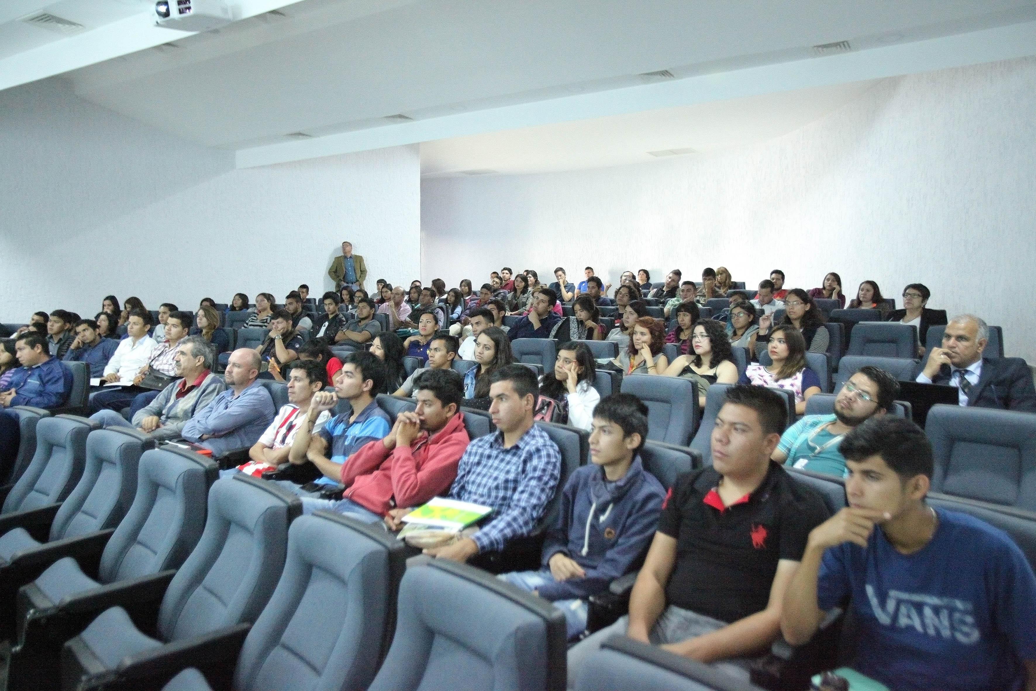 """Publico asistente al  Seminario DAAD Alumni """"Enfermedades zoonóticas transmisibles por la leche"""""""