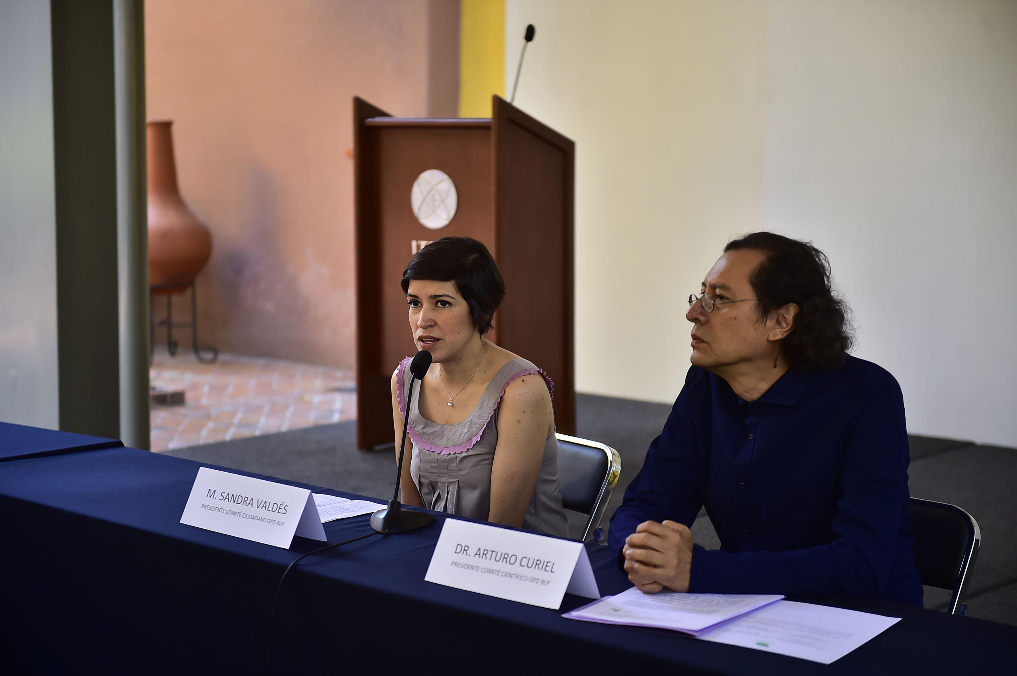 Sandra Valdés Valdés participando en rueda de prensa