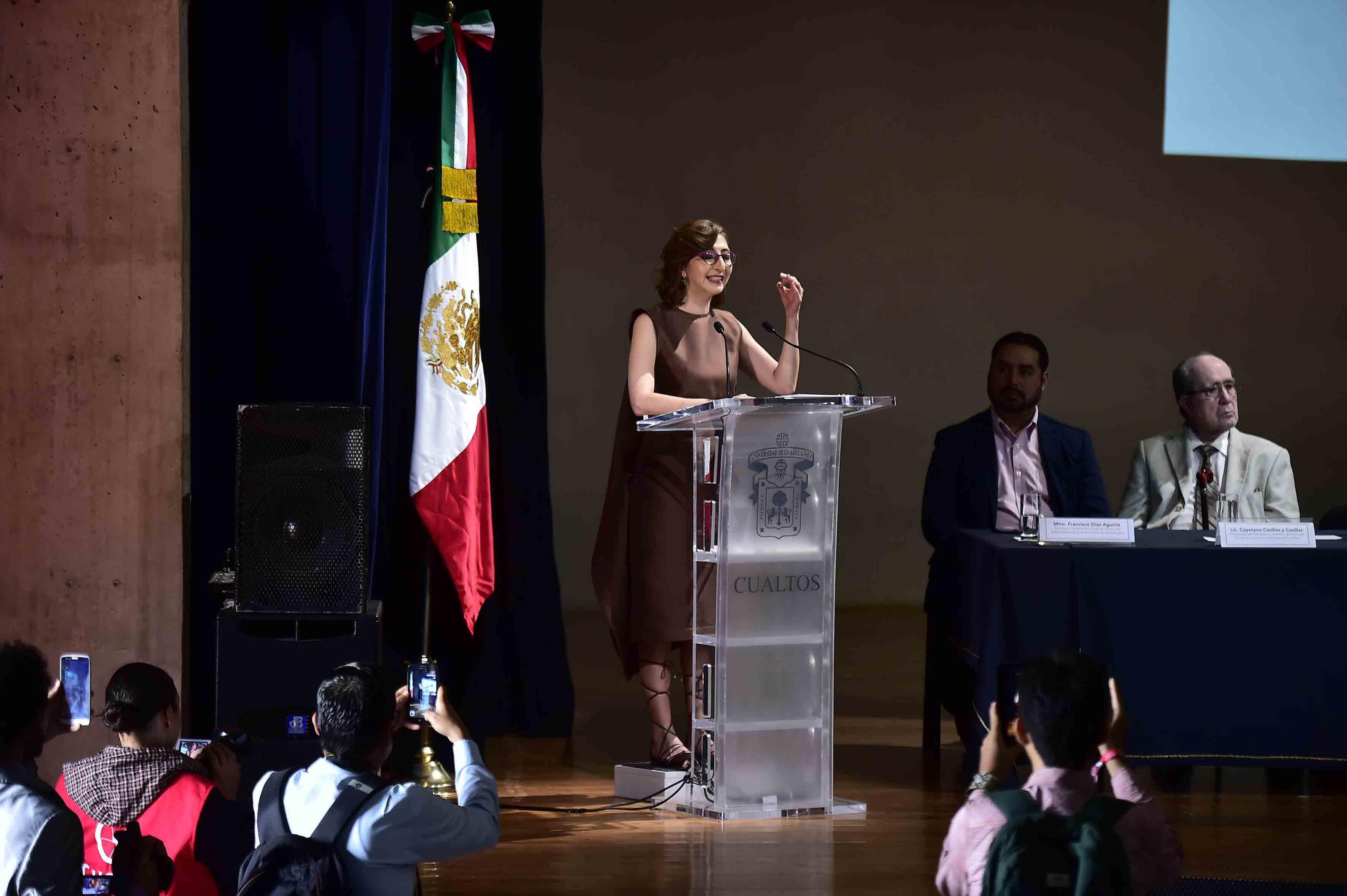 La Dra. Mara Nadiezhda Robles Villaseñor como Rectora del Centro Universitario de los Altos