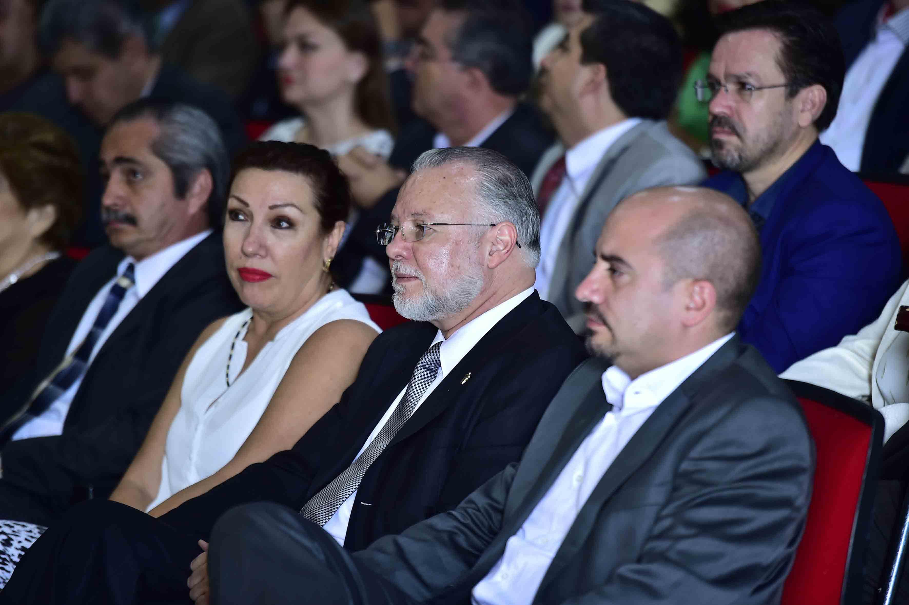 El licenciado Raúl Padilla en la toma de protesta en CuAltos