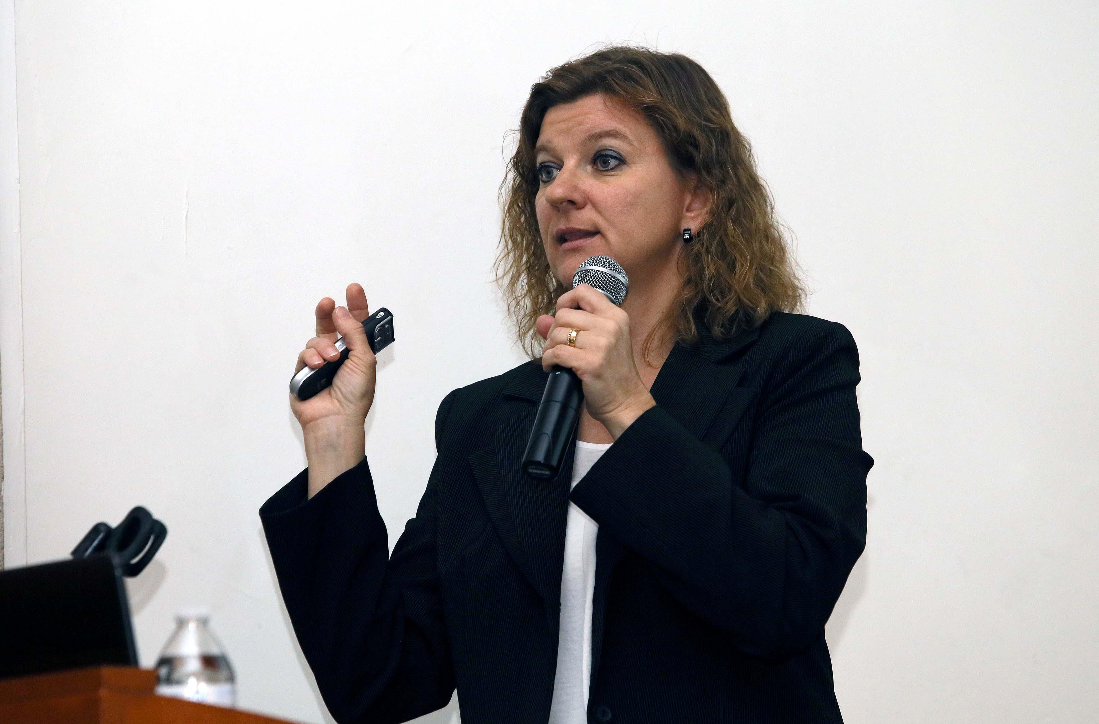 Doctora Olga Inozemtseva, participando en la conferencia