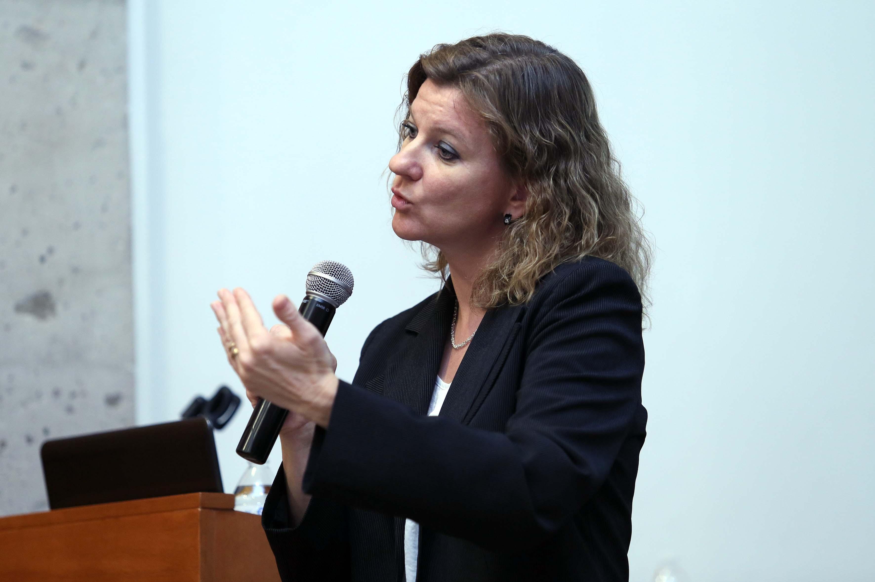 Doctora Olga Inozemtseva, haciendo uso de la palabra