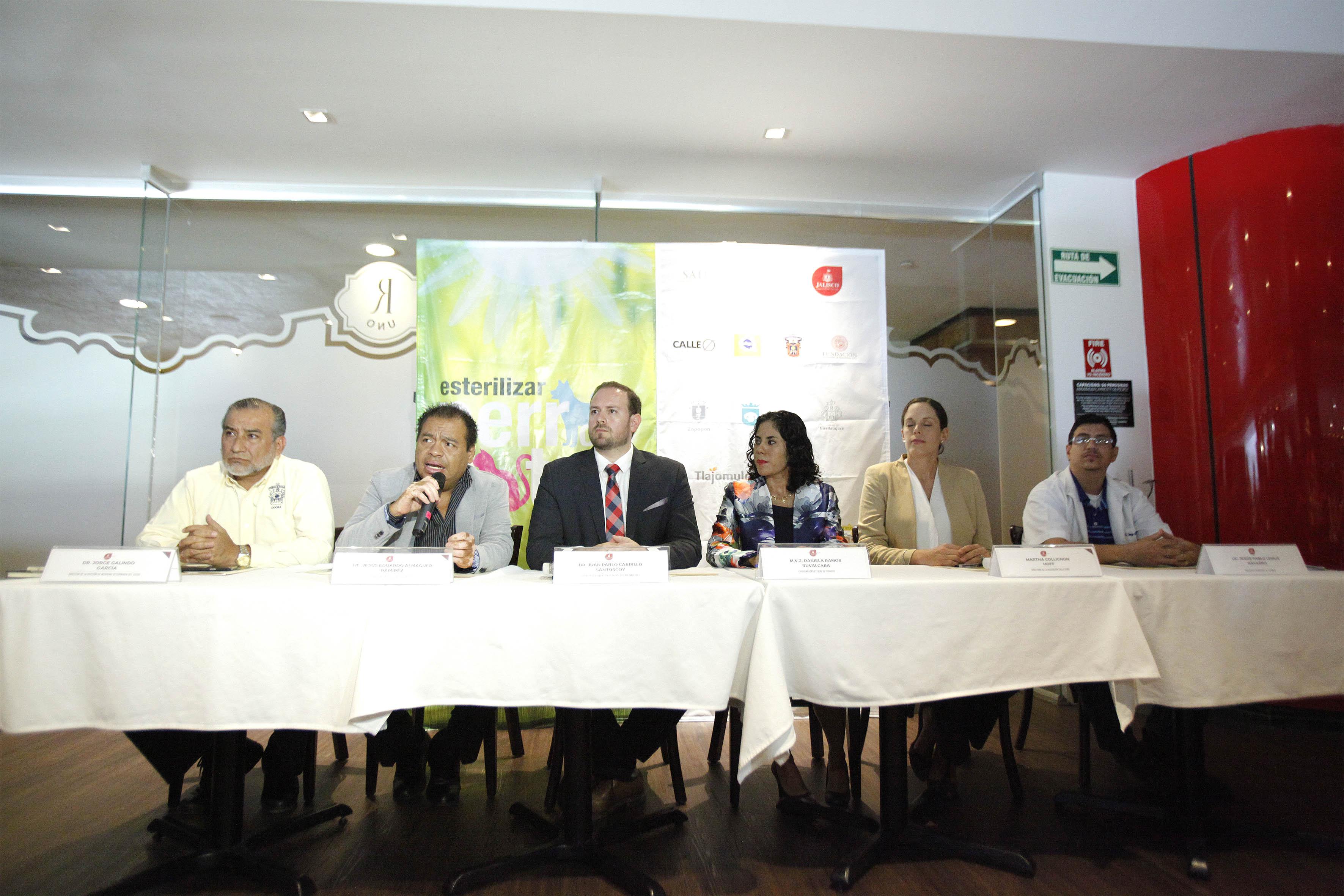 Miembros del panel de la Jornada de esterilización de perros y gatos