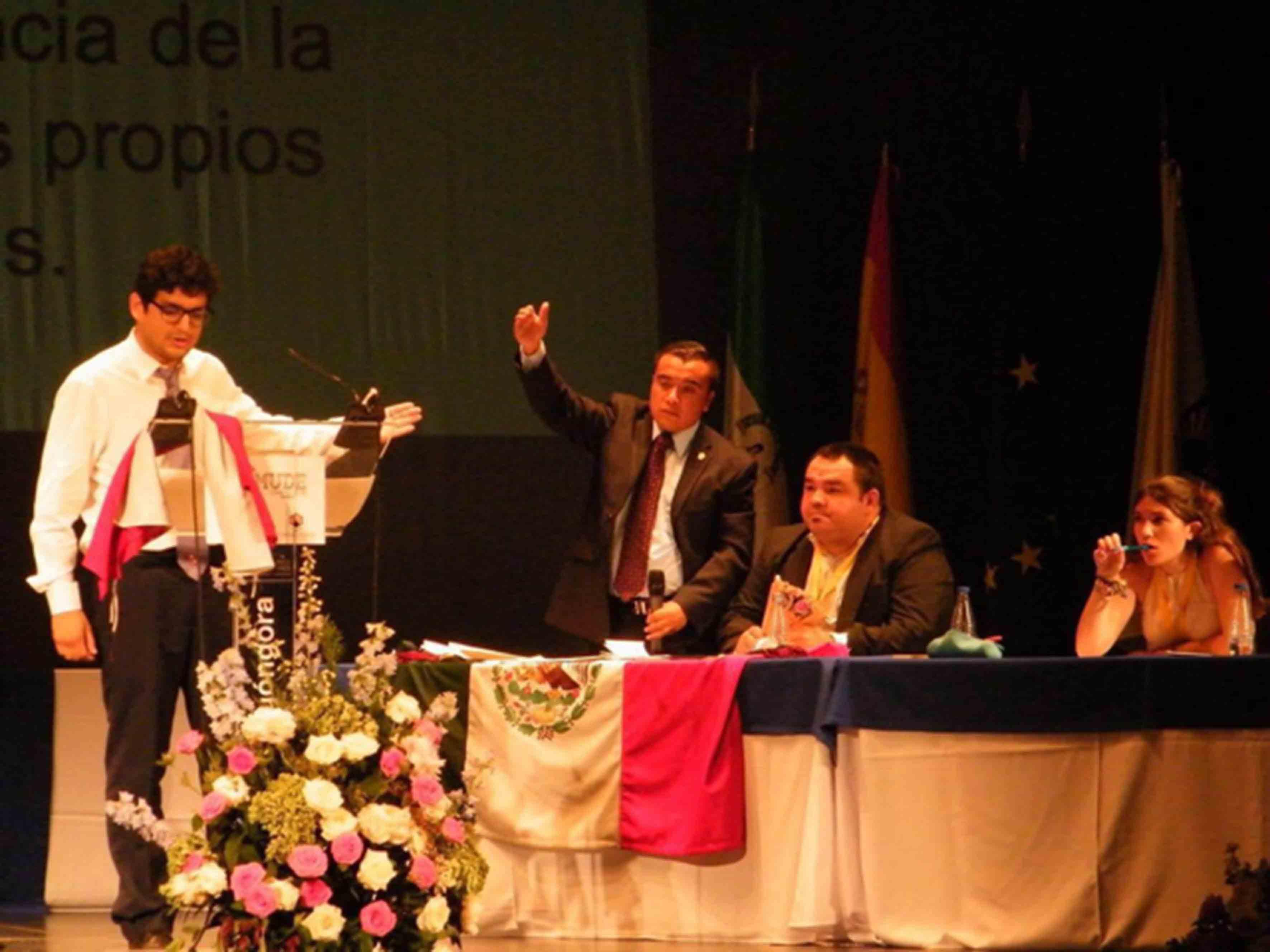 Campeonato Mundial de Debate Universitario en Español CMUDE 2016