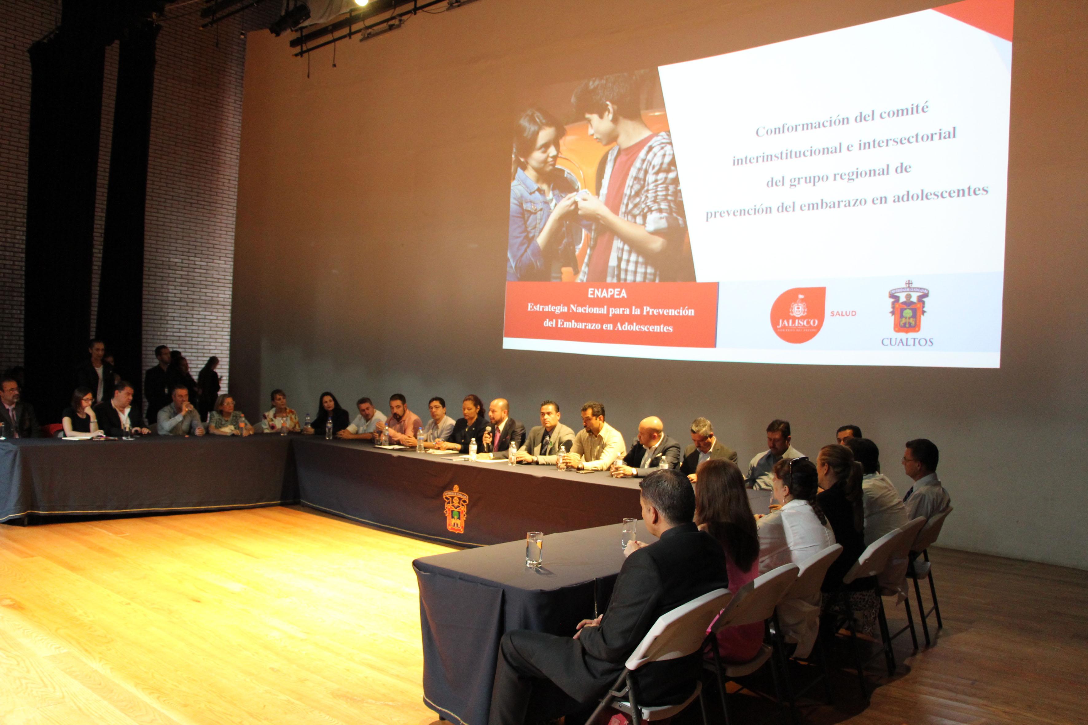 """Conferencia para crear el """"Comité interinstitucional e intersectorial del grupo regional de prevención del embarazo adolescente"""", en las instalaciones del CUAltos"""