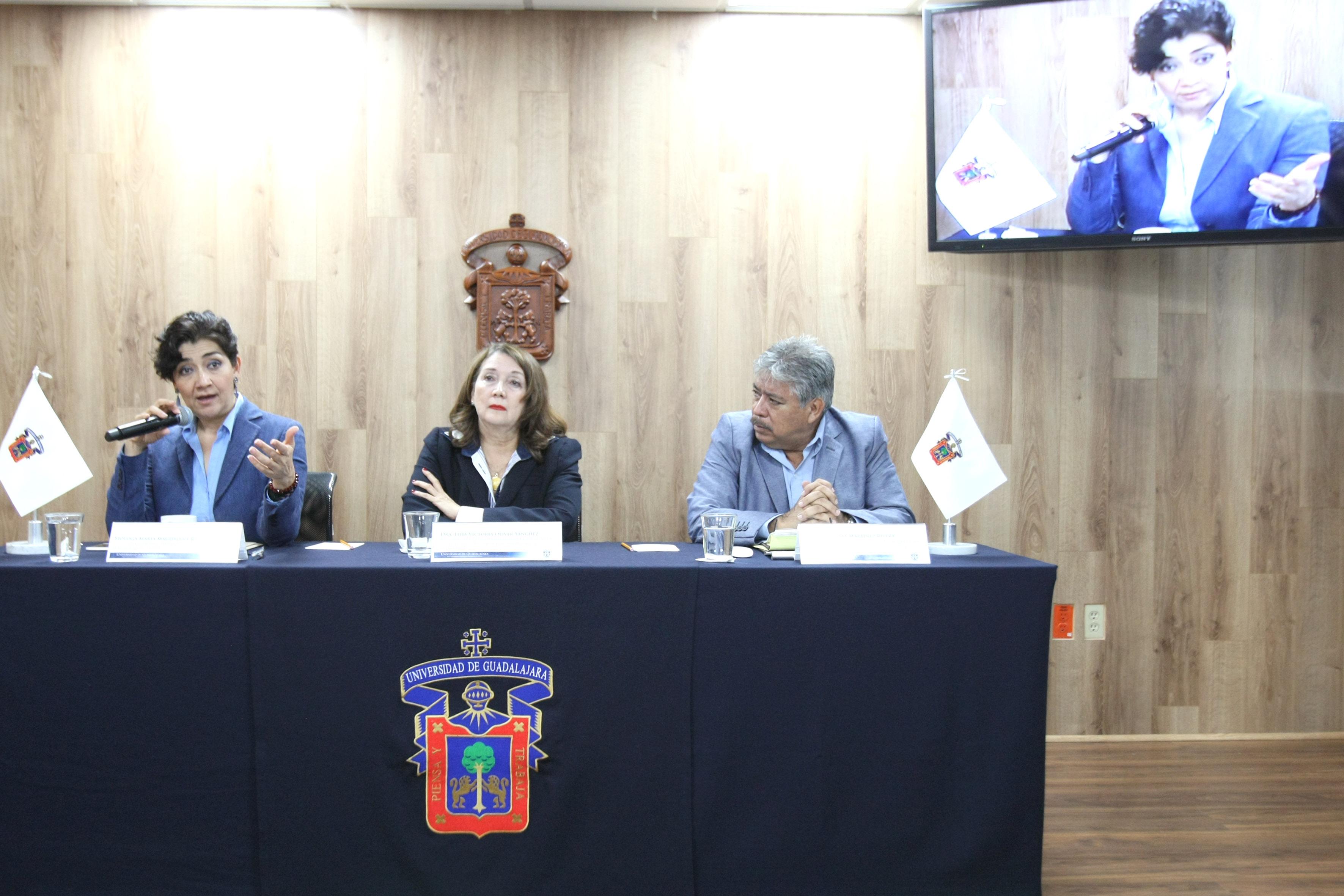 Frente al micrófono la bióloga María Magdalena Ruiz Mejía, titular de la Secretaría de Medio Ambiente y Desarrollo Territorial (Semadet) de Jalisco.