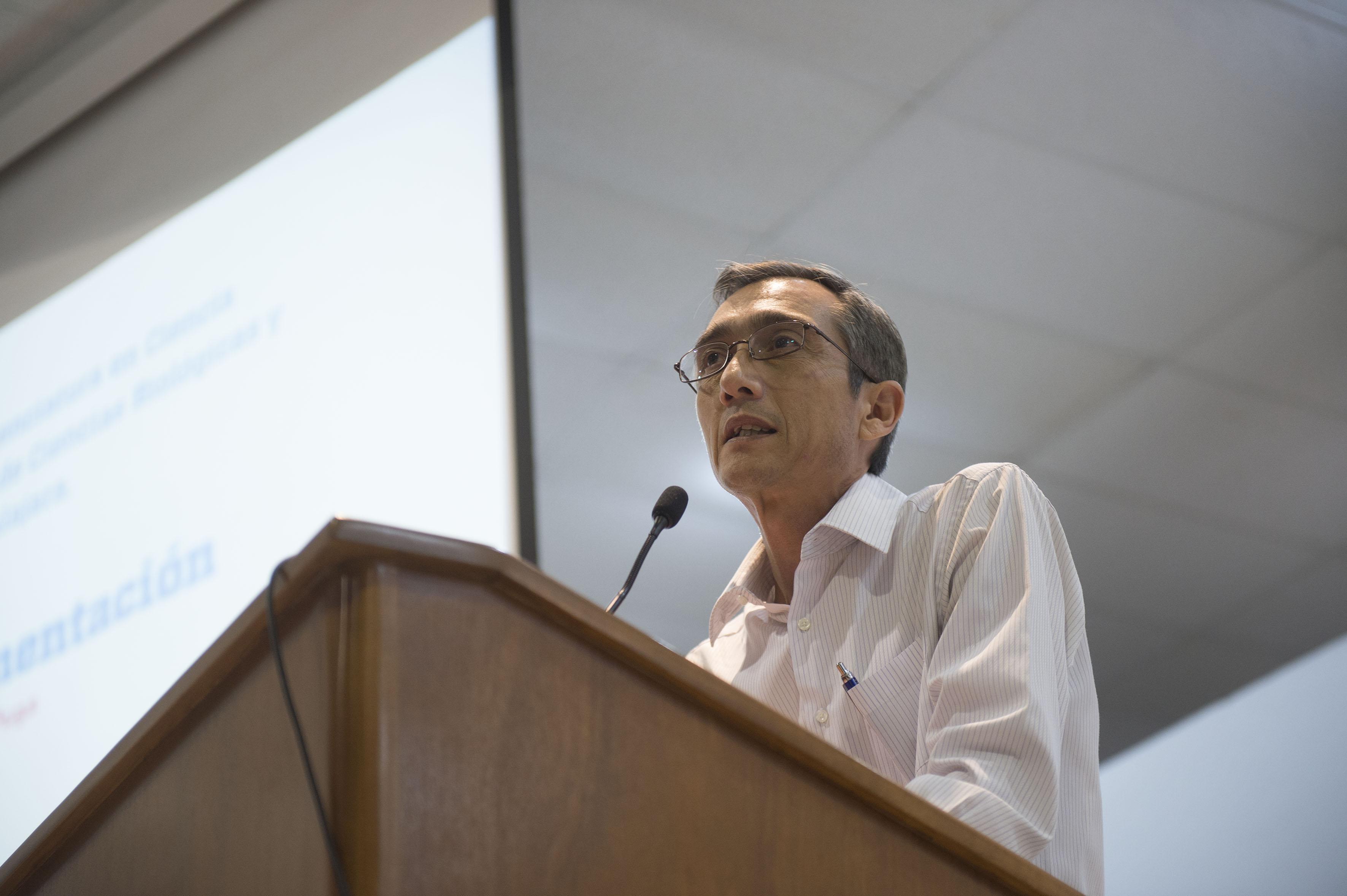 M.C Carlos Pacheco Gallardo haciendo uso de la palabra