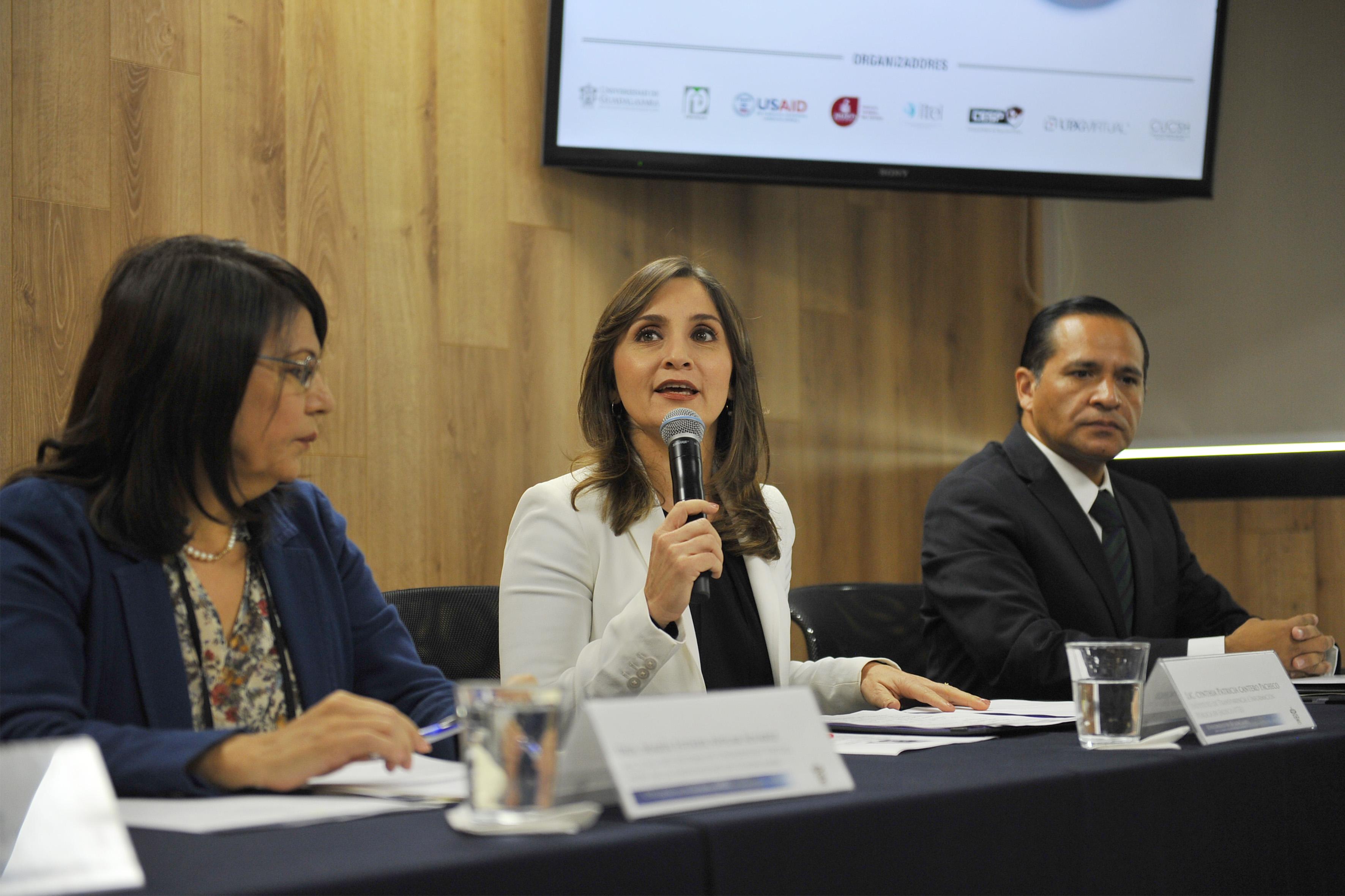 Al uso de la voz, Lic. Cynthia Patricia Castro Pacheco