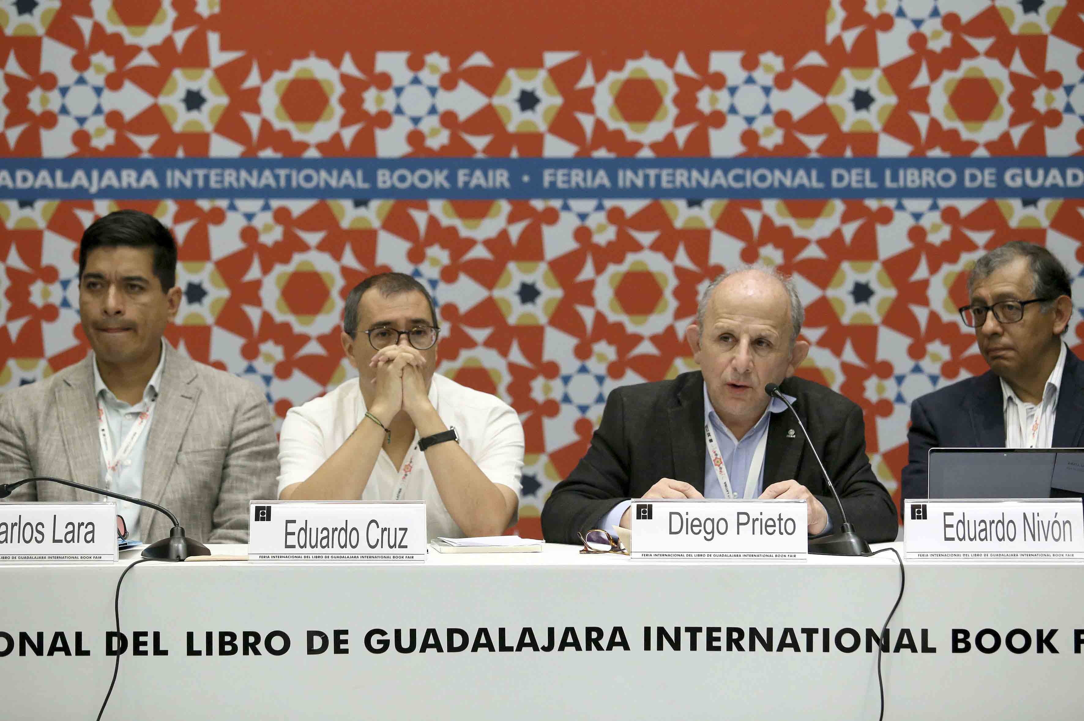 Antropólogo Diego Prieto Hernández, Profesor universitario y autor de diversas publicaciones, haciendo uso de la palabra.