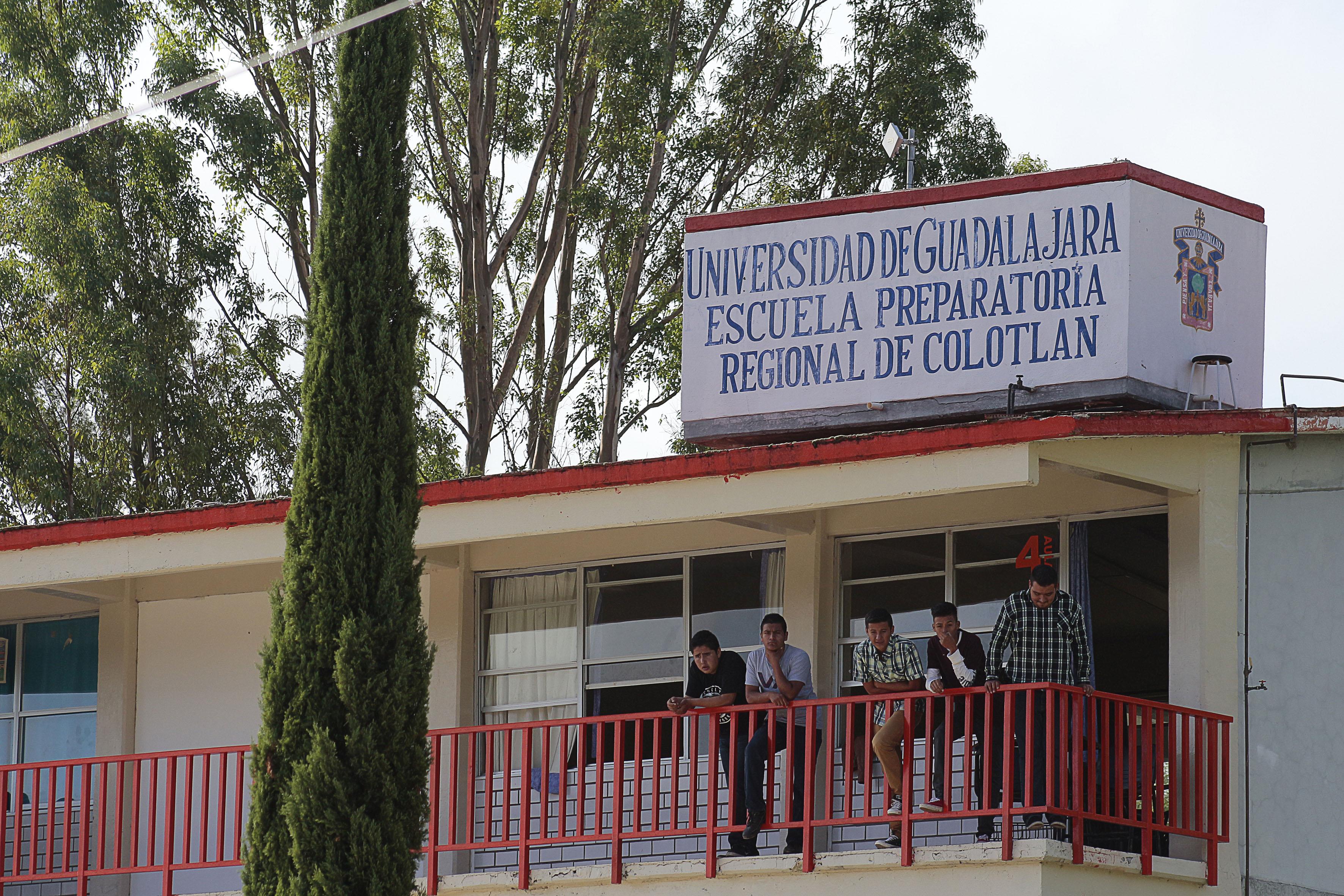 Ingreso principal de la preparatoria de Colotlan, Jalisco.