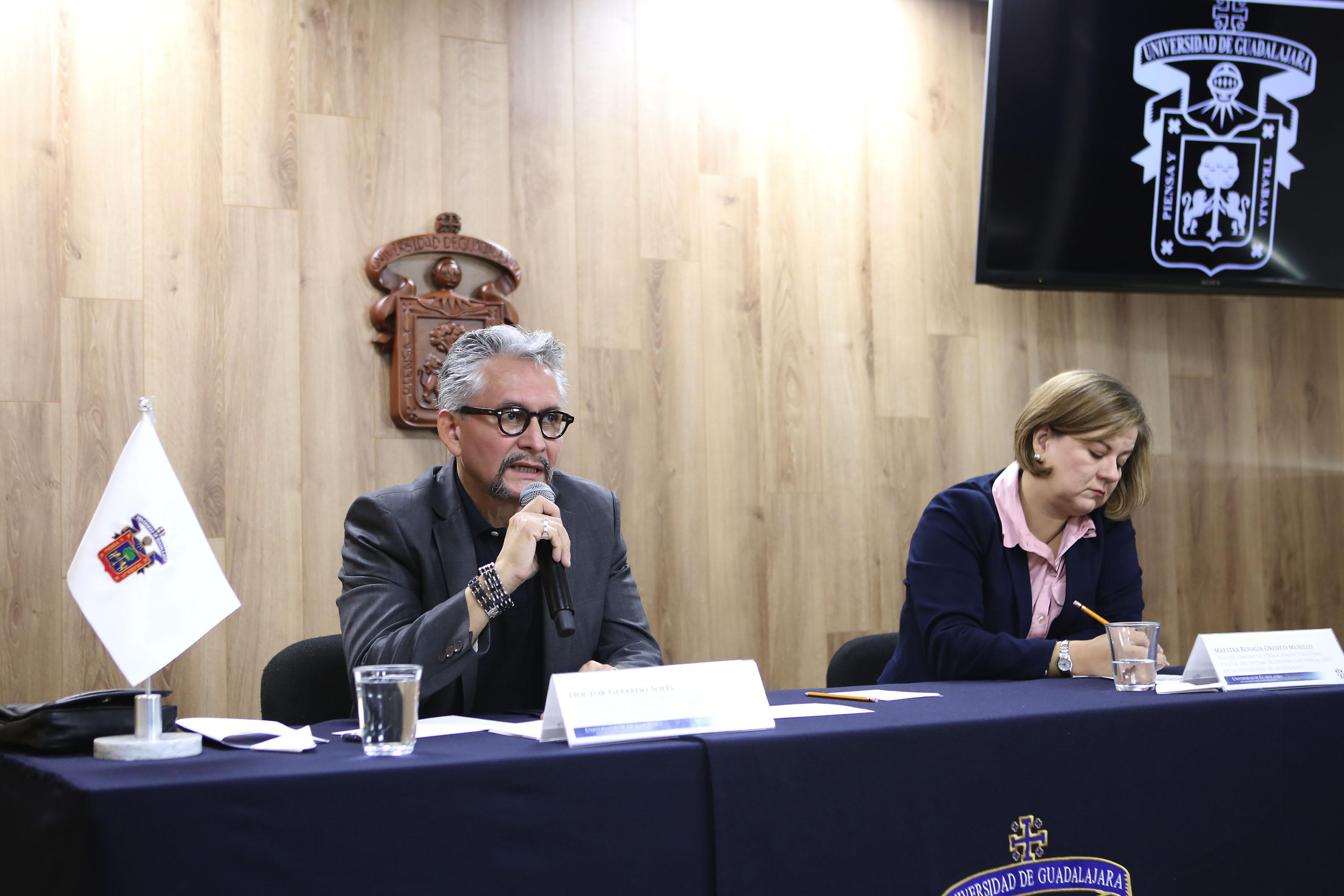Dr.  Gerardo Solís, asesor de la licenciatura en Seguridad Ciudadana del SUV haciendo uso de la palabra