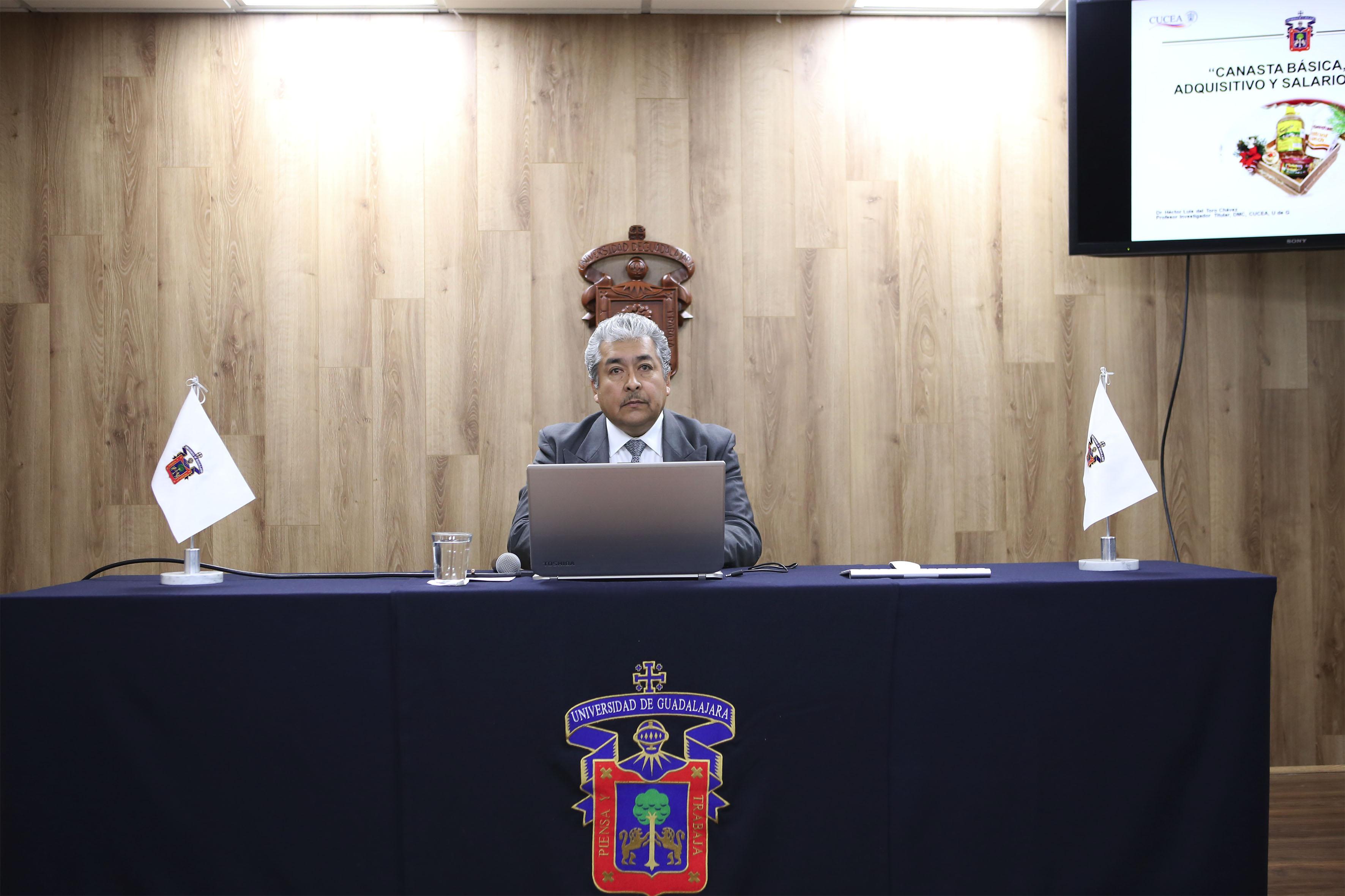 Doctor Héctor Luis del Toro Chávez, investigador del Centro Universitario de Ciencias Económico Administrativas de la Universidad de Guadalajara.