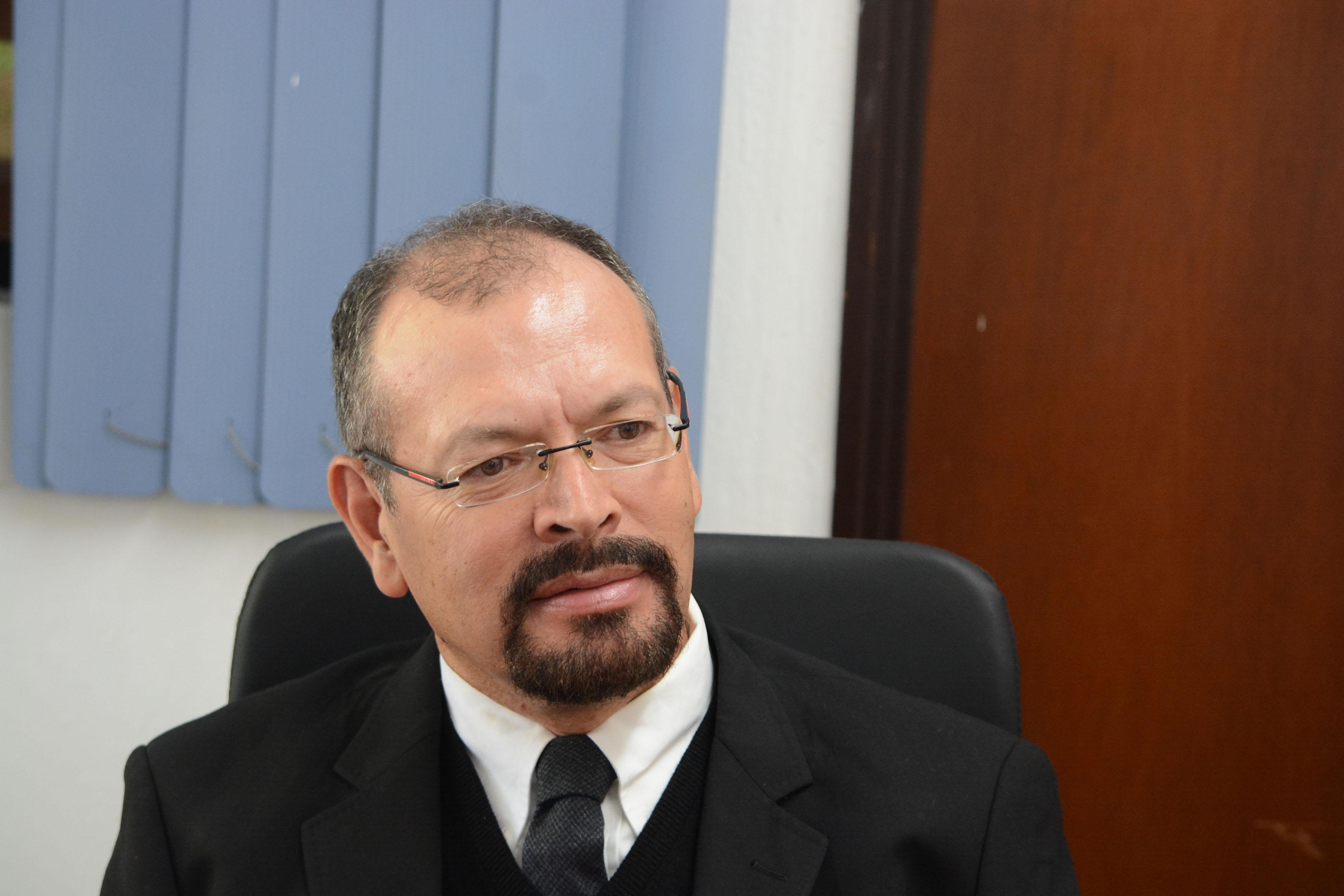 Director de la División de Estudios Históricos y Humanos del Centro Universitario de Ciencias Sociales y Humanidades (CUCSH) doctor David Carvajal López