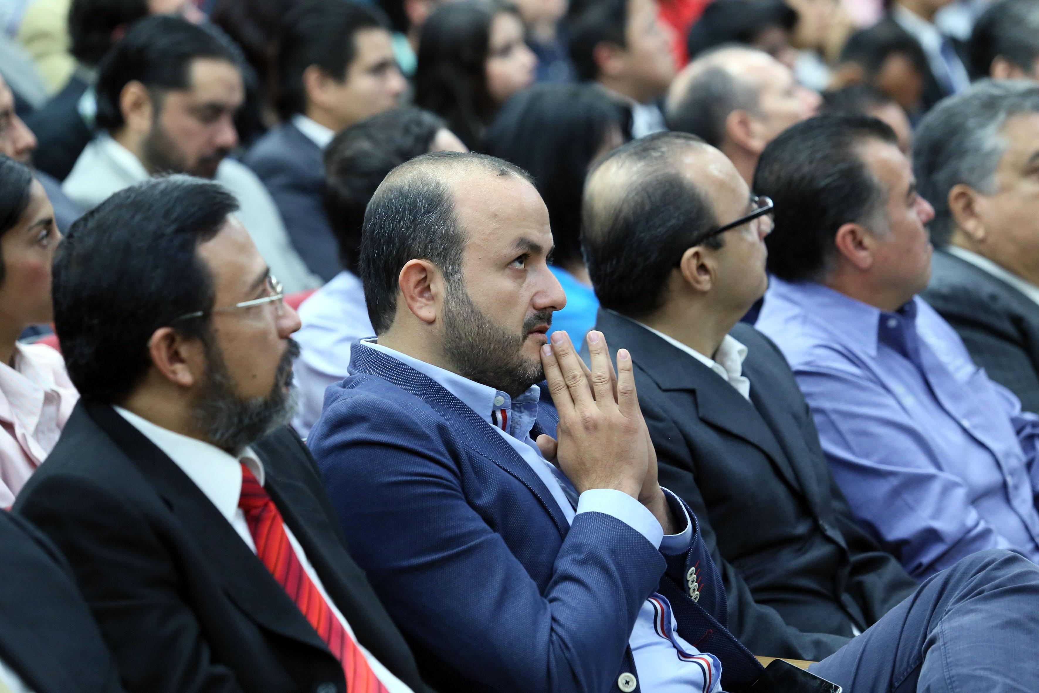 Asistentes al informe de actividades 2016 del Dr. Héctor Raúl Solís Gadea