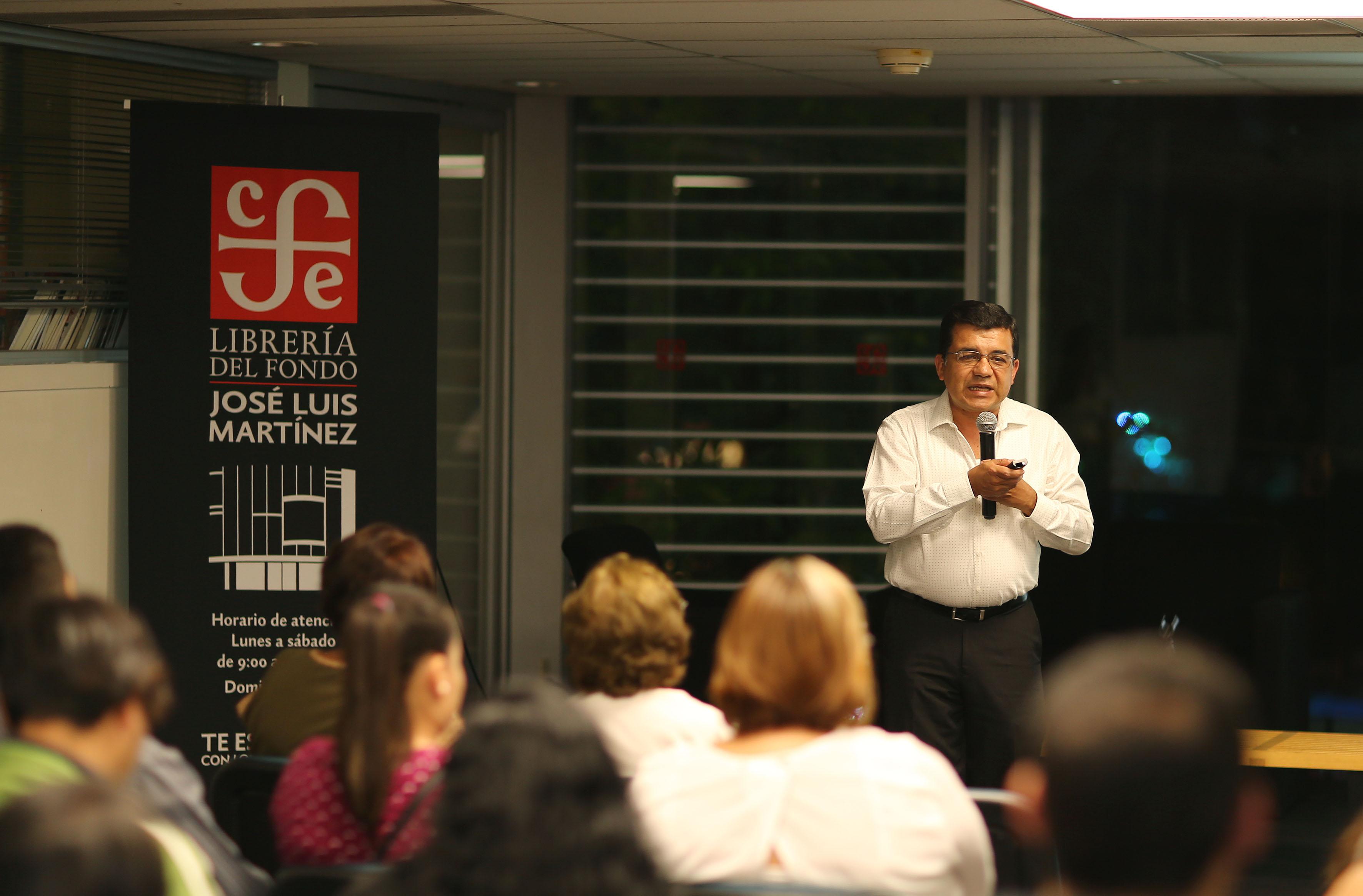 """Dr. Mario Alberto Ramírez Herrera impartiendo la conferencia """"El papel de los canales iónicos en el cáncer: de amigos a enemigos"""""""