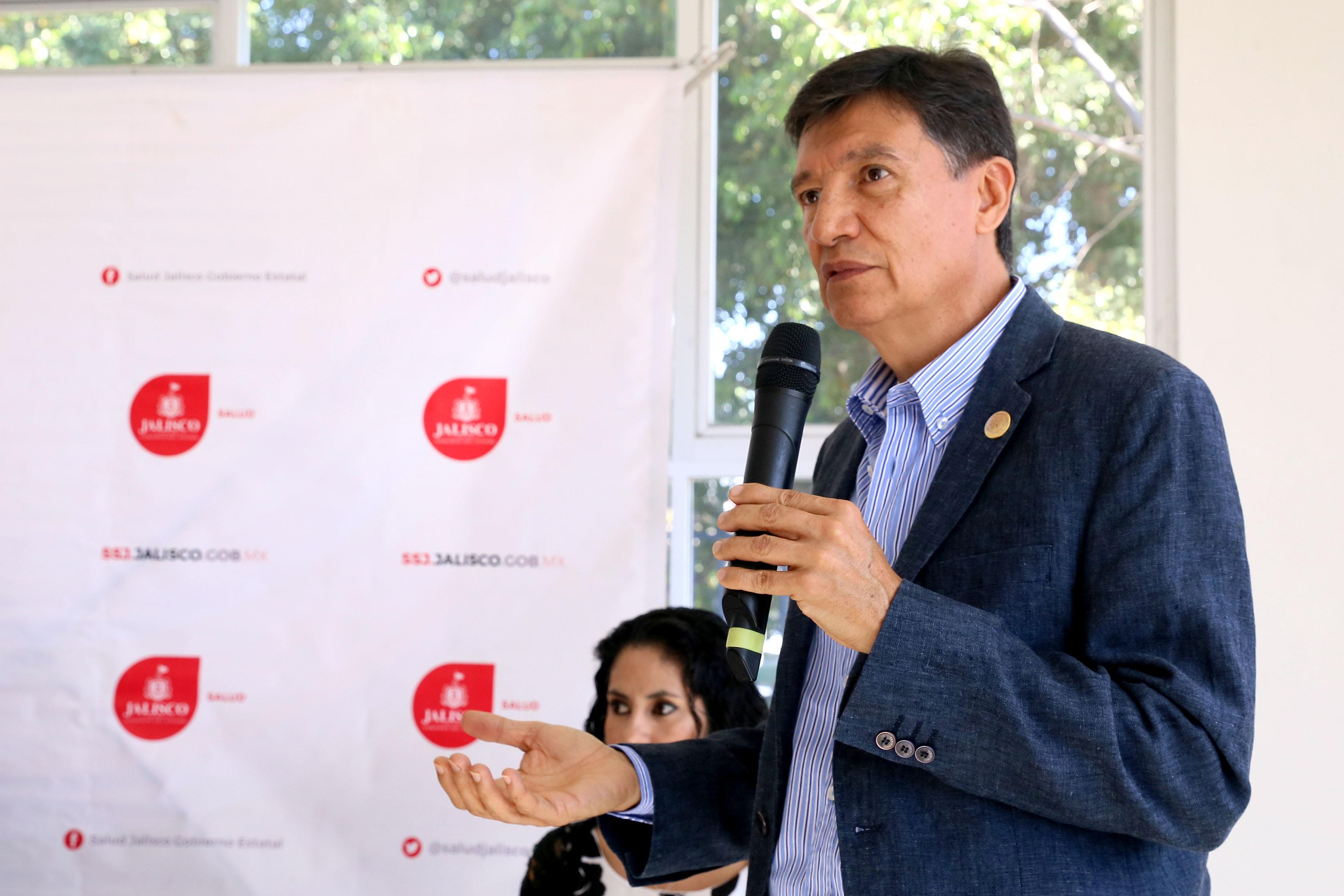 Director de la división, Dr. Jorge Galindo García, haciendo uso de la palabra