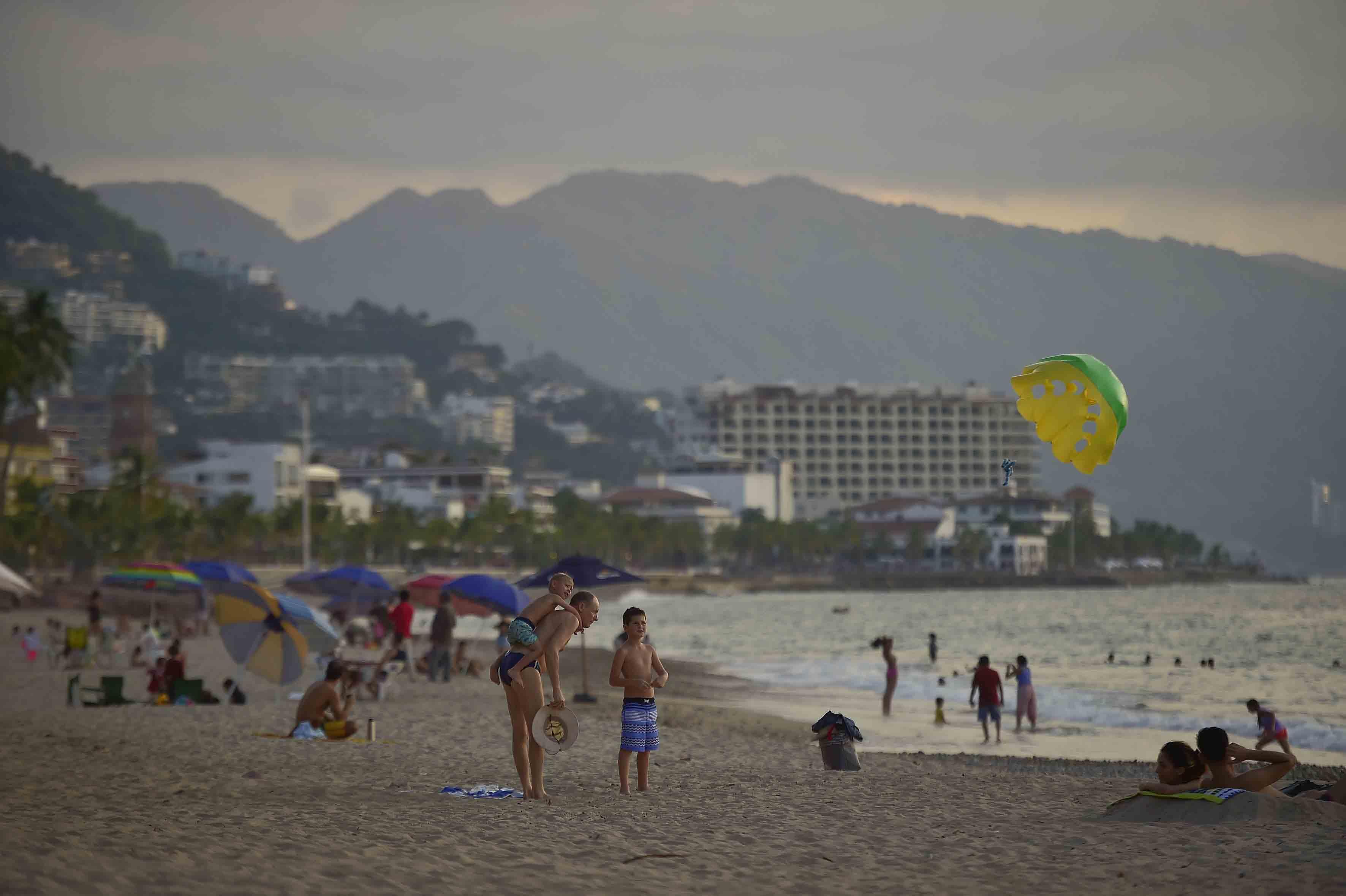 Vista panorámica de una de las playas de Puerto Vallarta.