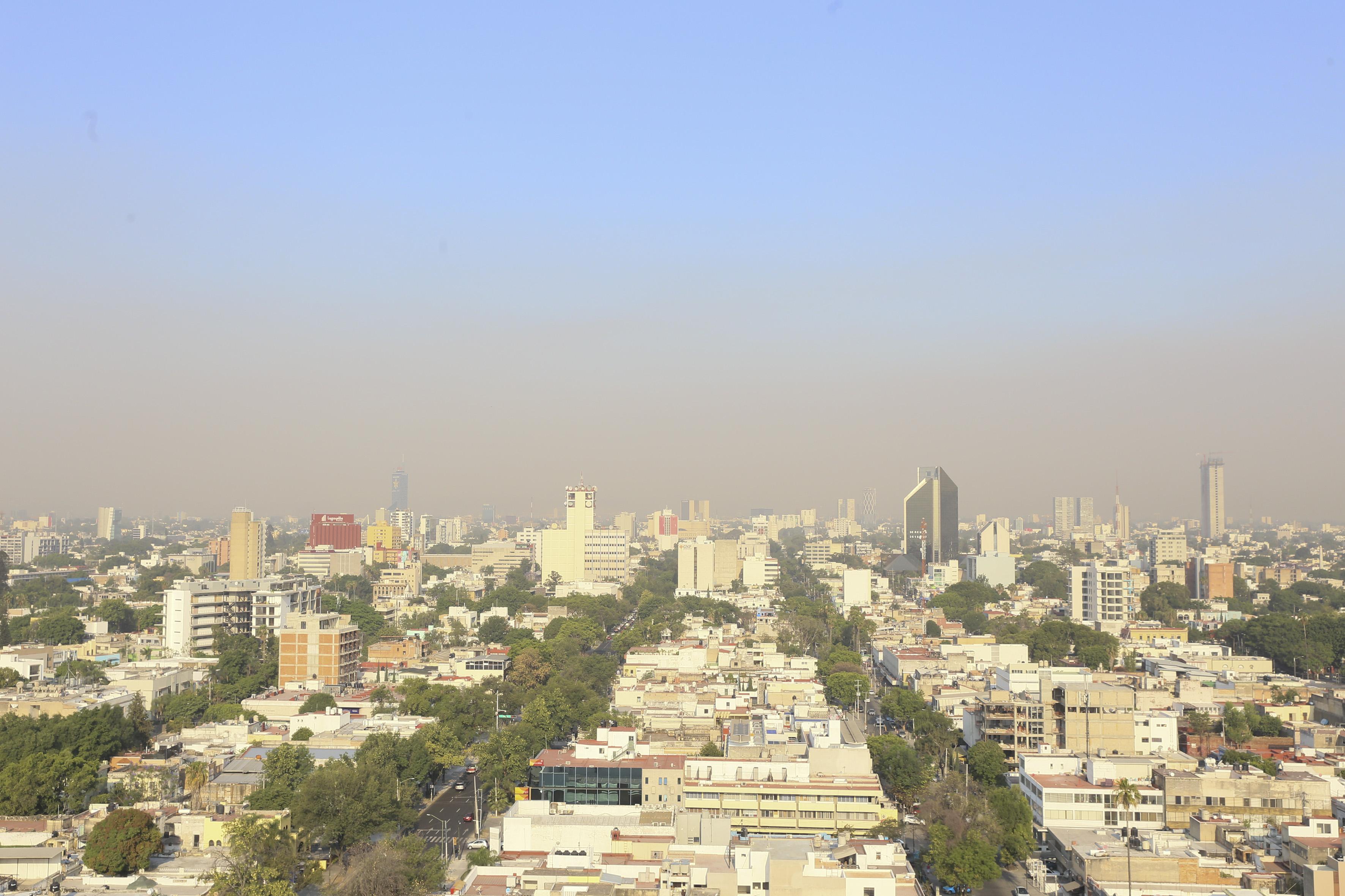Vista panorámica de los cielos de Guadalajara, hacia la zona poniente.