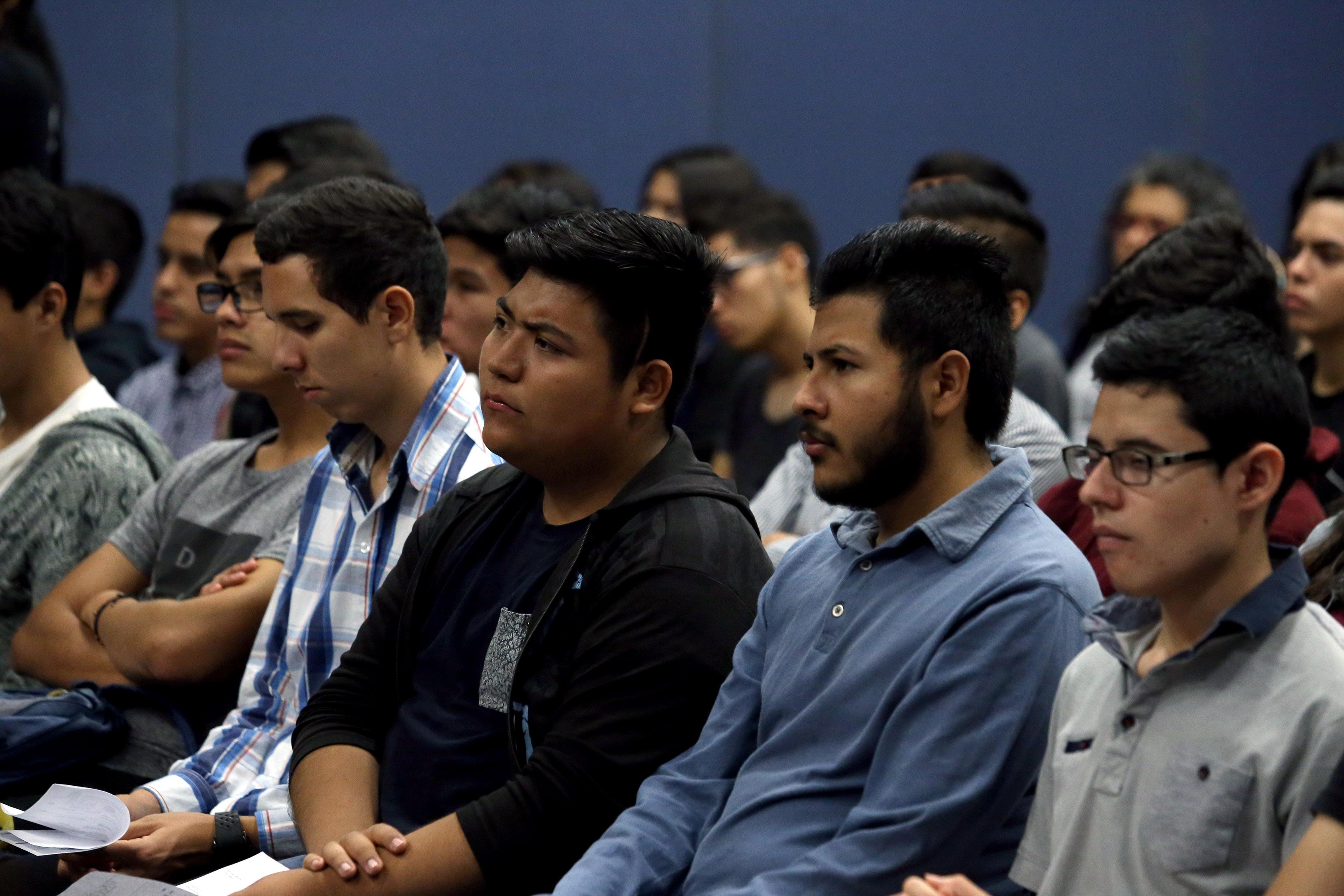 Panelistas participantes en la inaguración del Festival Latinoamericano de Instalación de Software Libre.