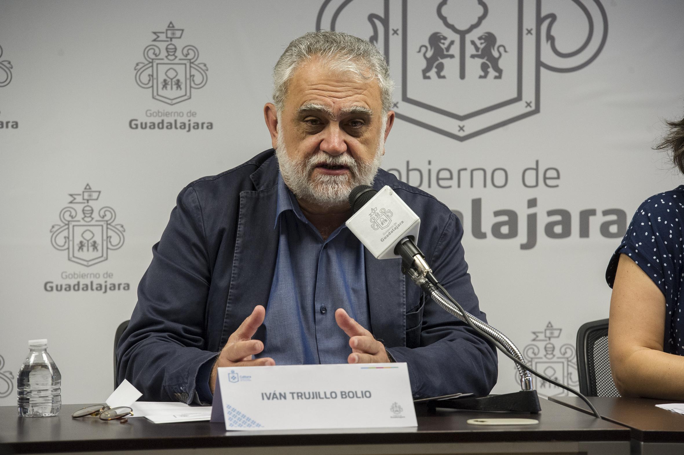 Iván Trujillo Bolio, director del FICG haciendo uso de la palabra