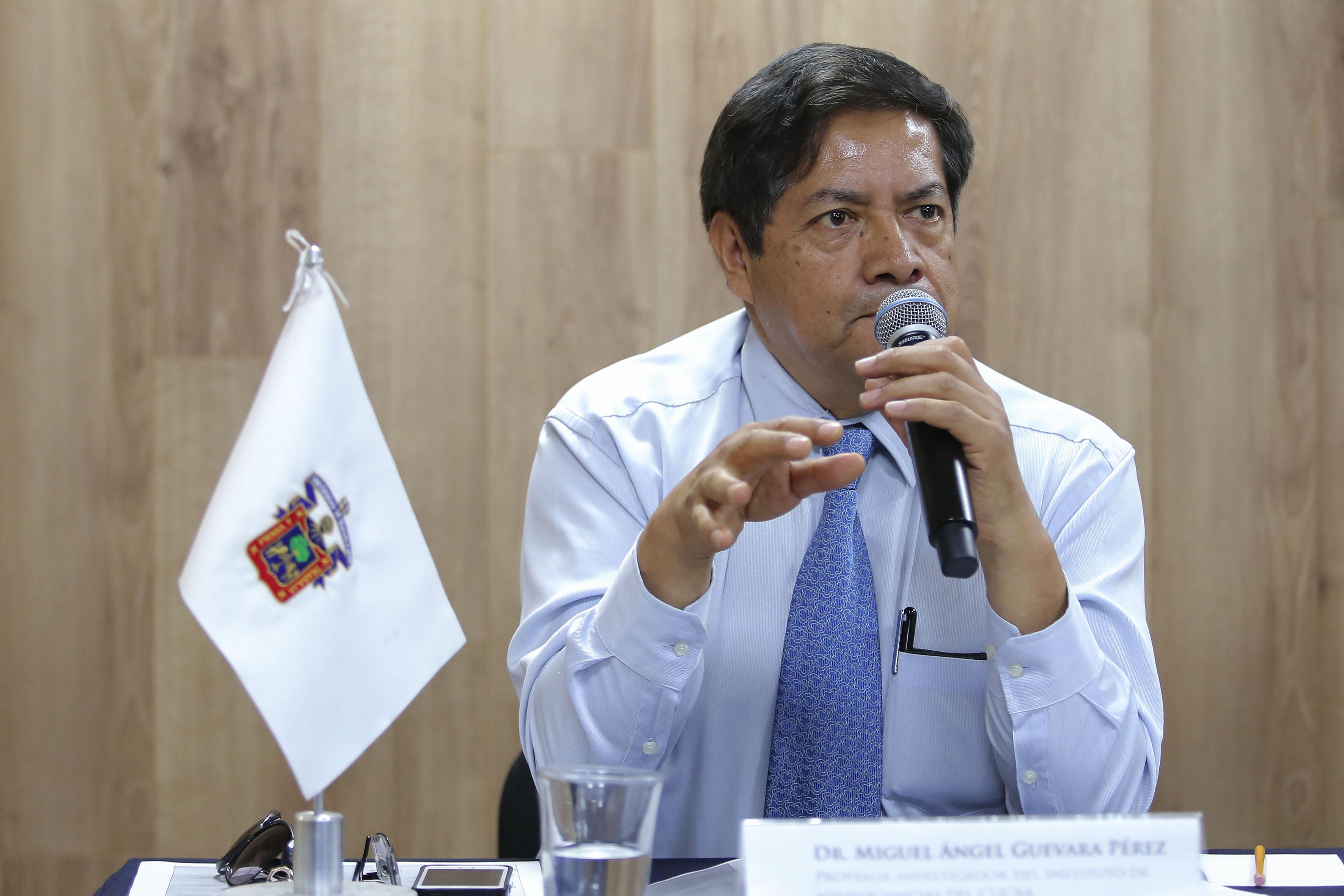 doctor Miguel Ángel Guevara Pérez, haciendo uso de la palabra.
