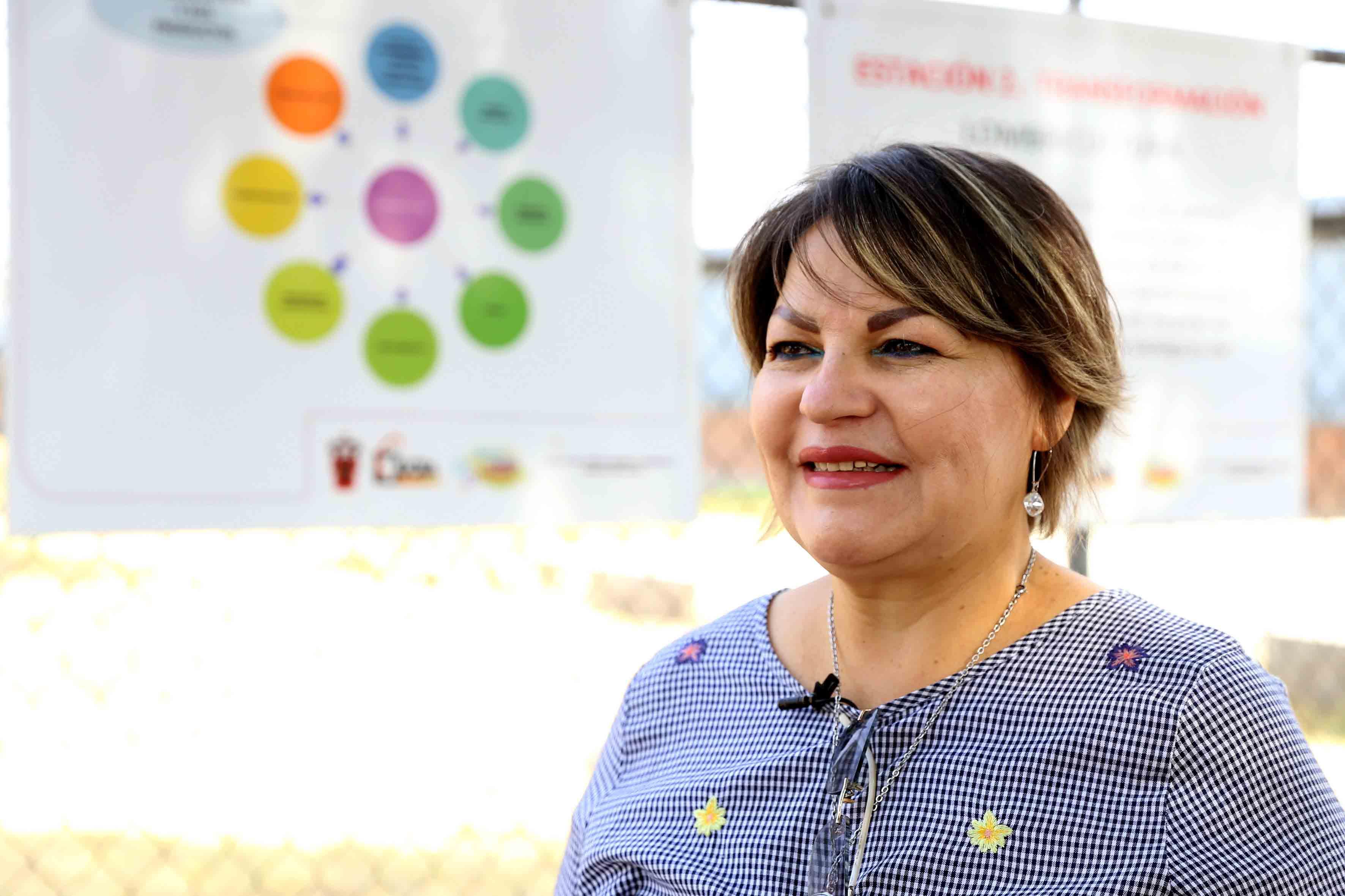 Profesora investigadora del CUCBA, doctora América Loza Llamas.