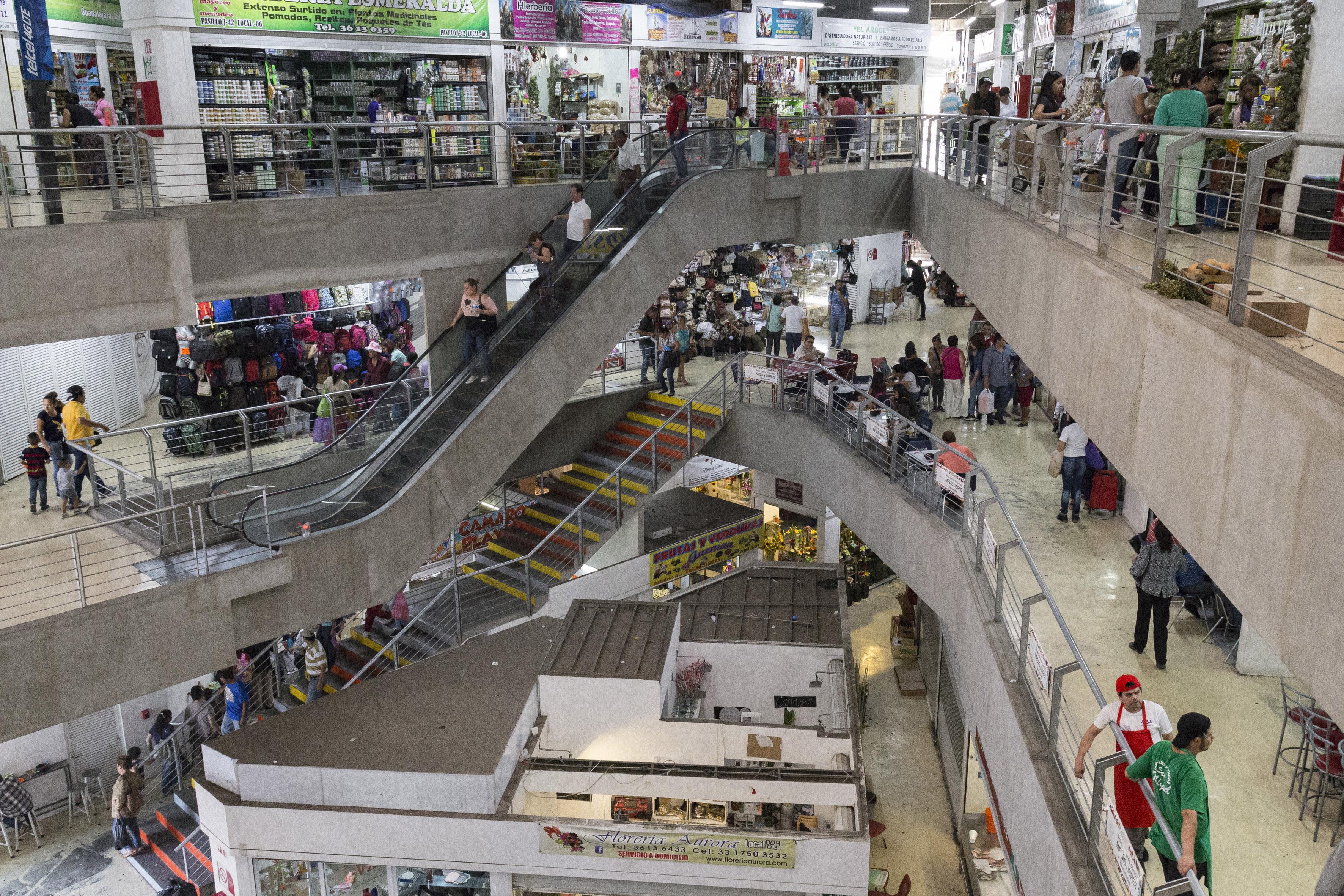 interior de mercado corona