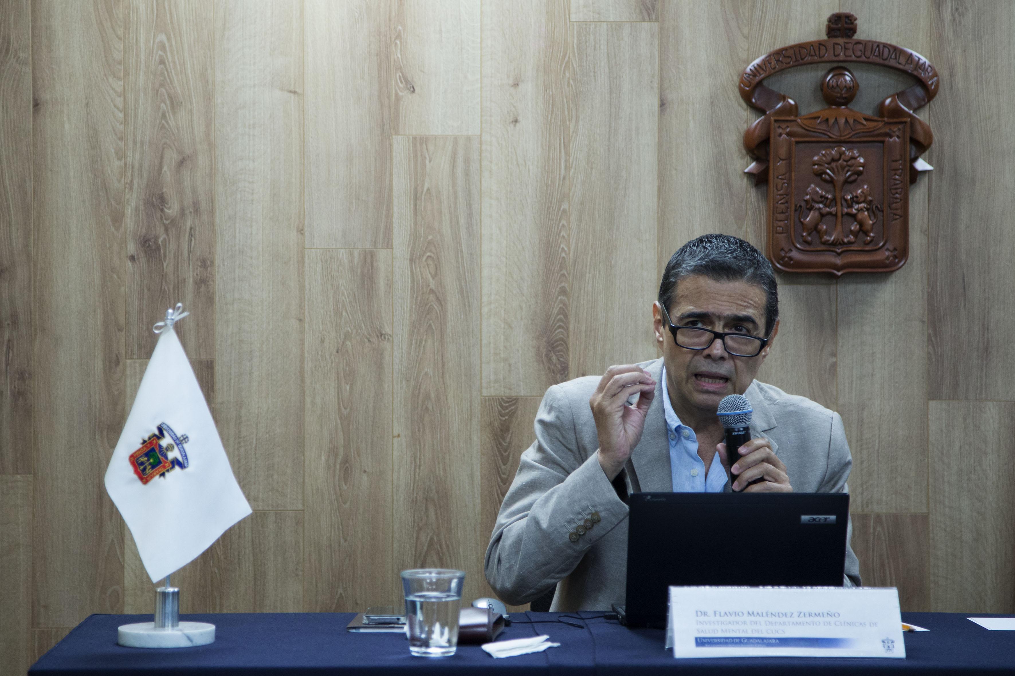 doctor Flavio Melendez Zermeño Haciendo uso de la palabra