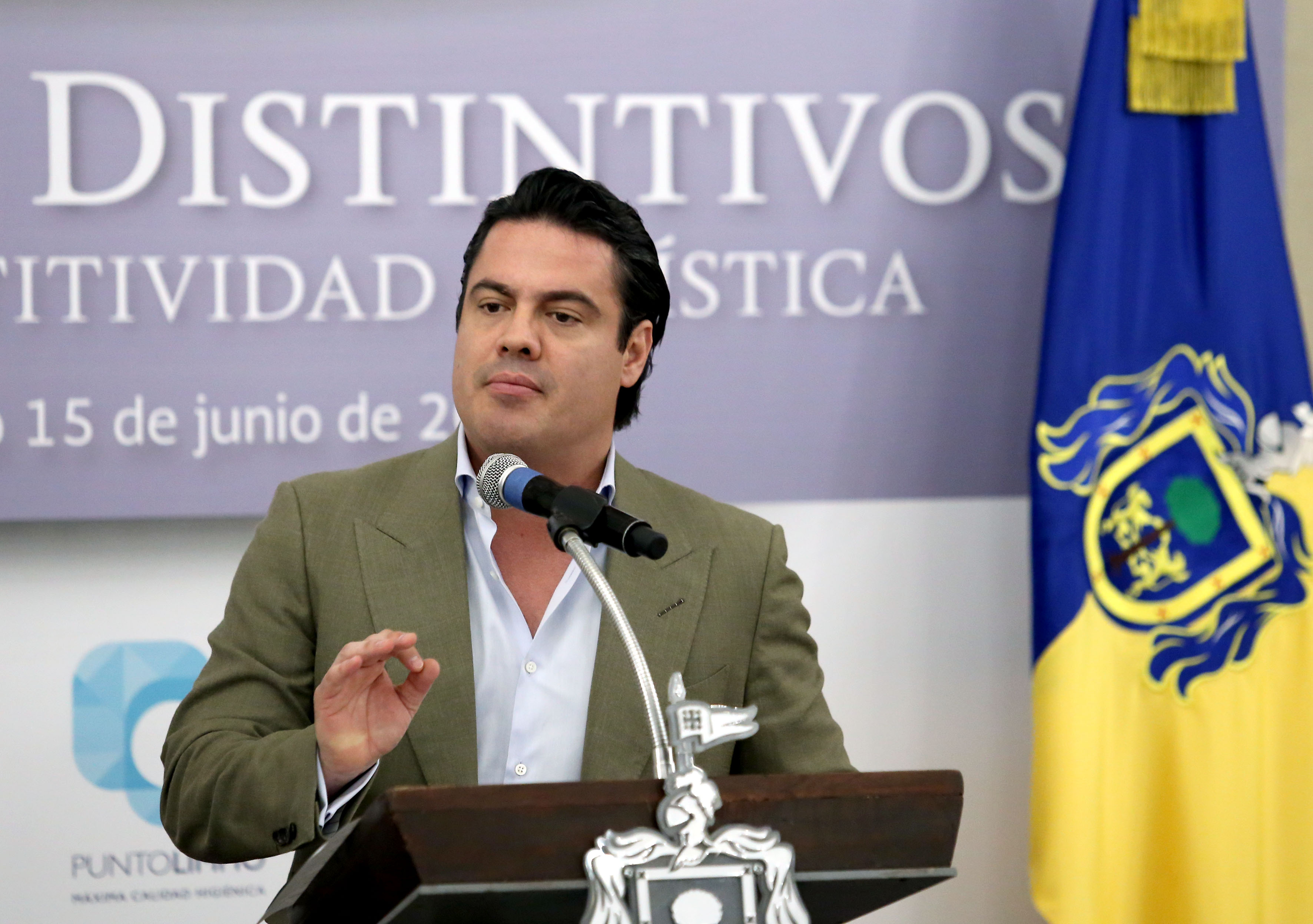 Maestro Jorge Aristóteles Sandoval Díaz, Gobernador del Estado de Jalisco, participando en la ceremonia.