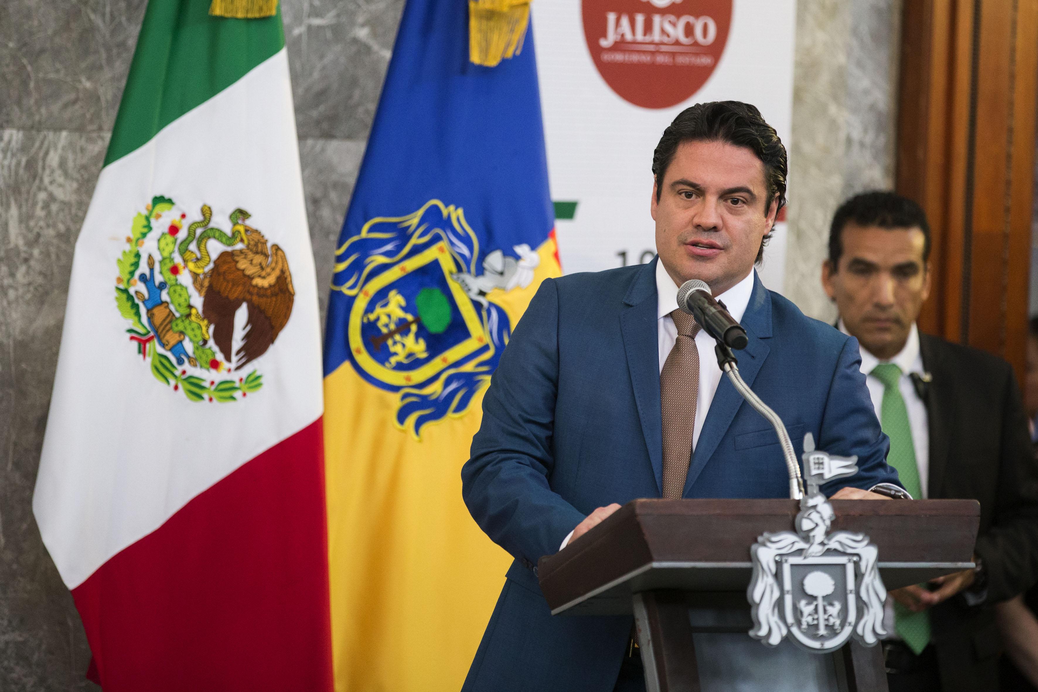 Gobernador de Jalisco, maestro Jorge Aristóteles Sandoval Díaz encabezando la ceremonia de entrega de las distinciones que se realizó en el marco de la conmemoración del 194 Aniversario de la Creación del Estado Libre y Soberano de Jalisco, en el exrecinto Legislativo de Palacio de Gobierno.