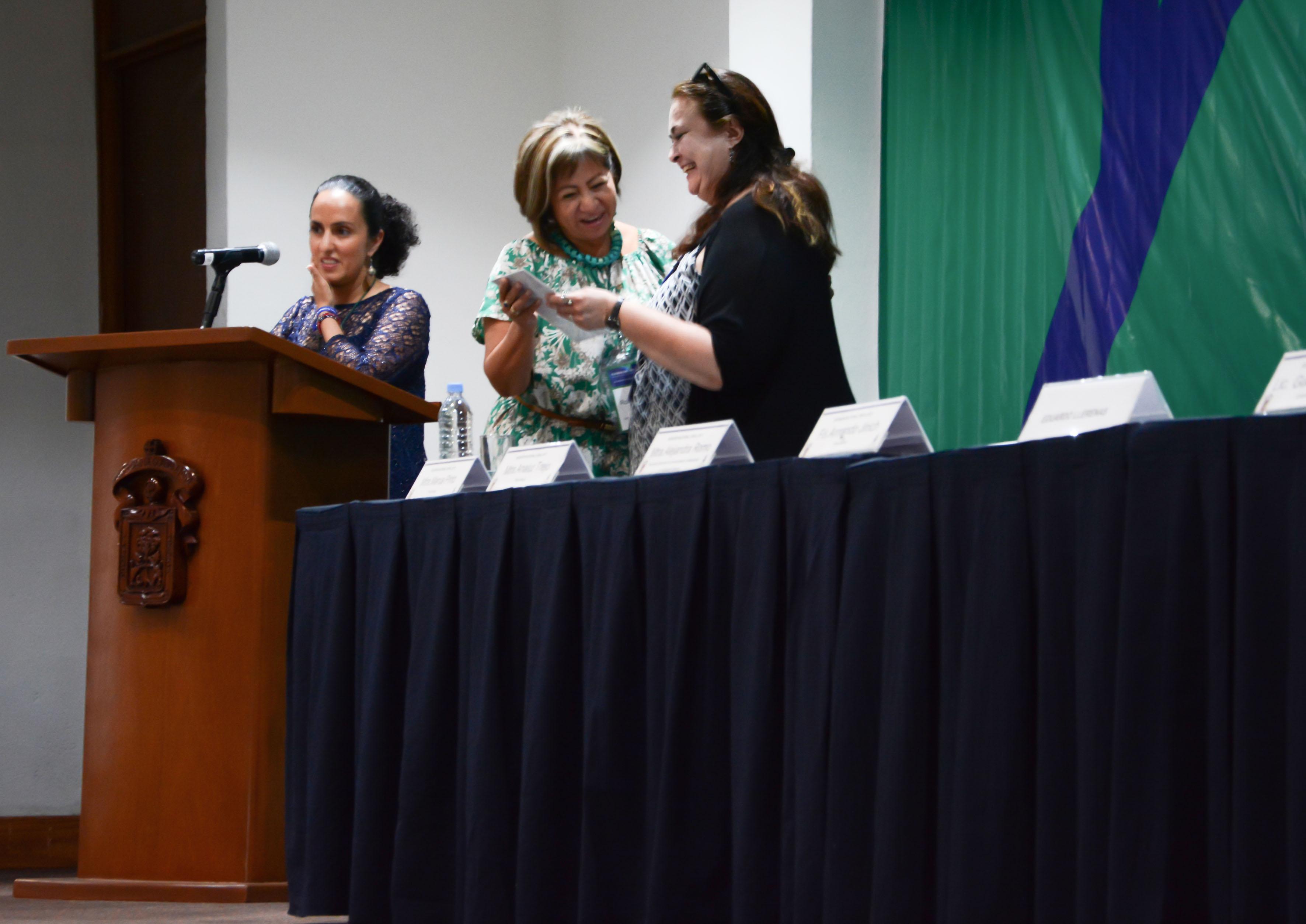Personalidades asistentes a la Reunión Nacional Peraj 2017, participando en ceremonia inaugural.