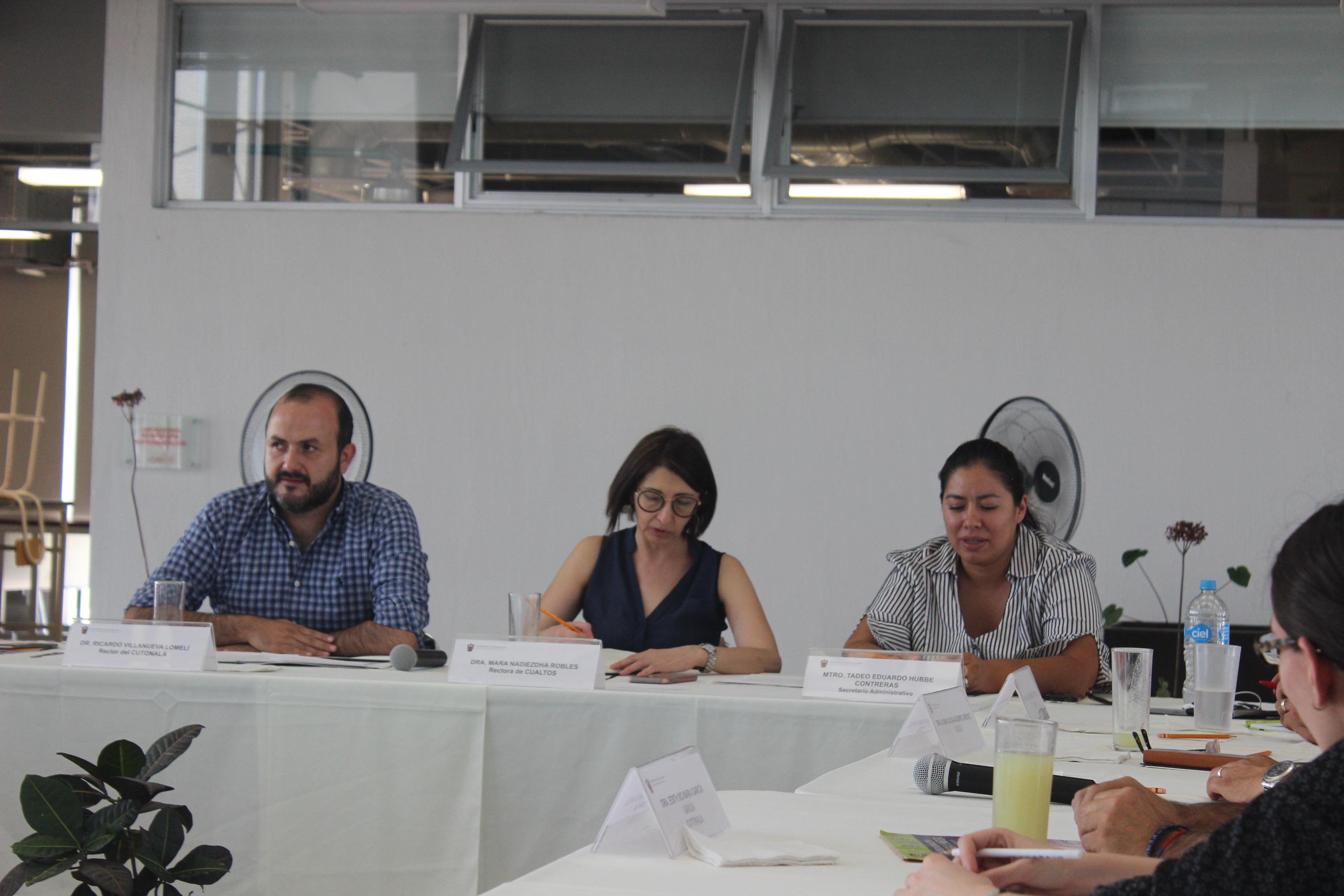 Integrantes del Comité Universitario de Agua y Energía.