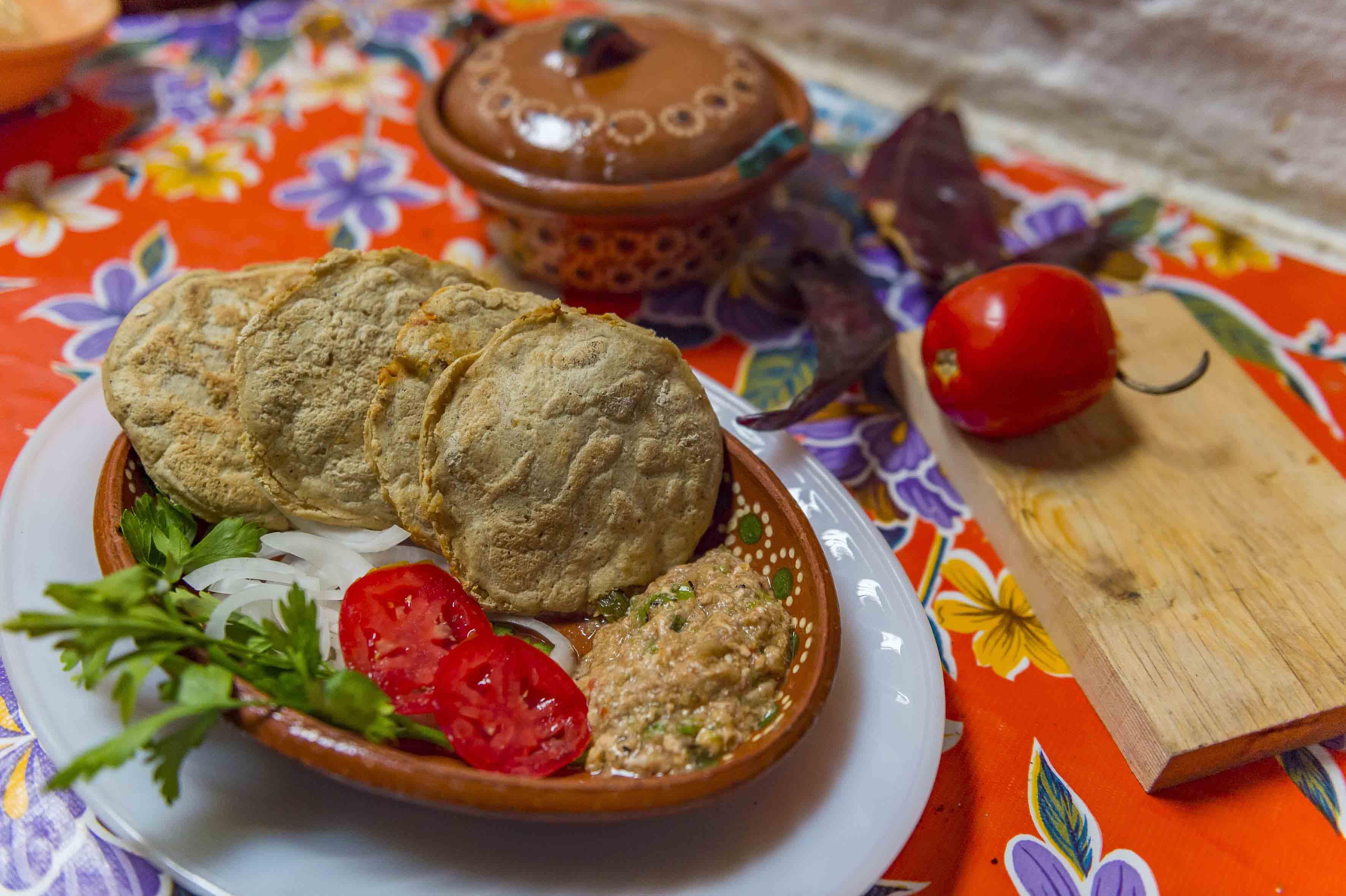 Platillo típico del municipio de Mixtlán, Jalisco, siendo el hongo el ingrediente principal.