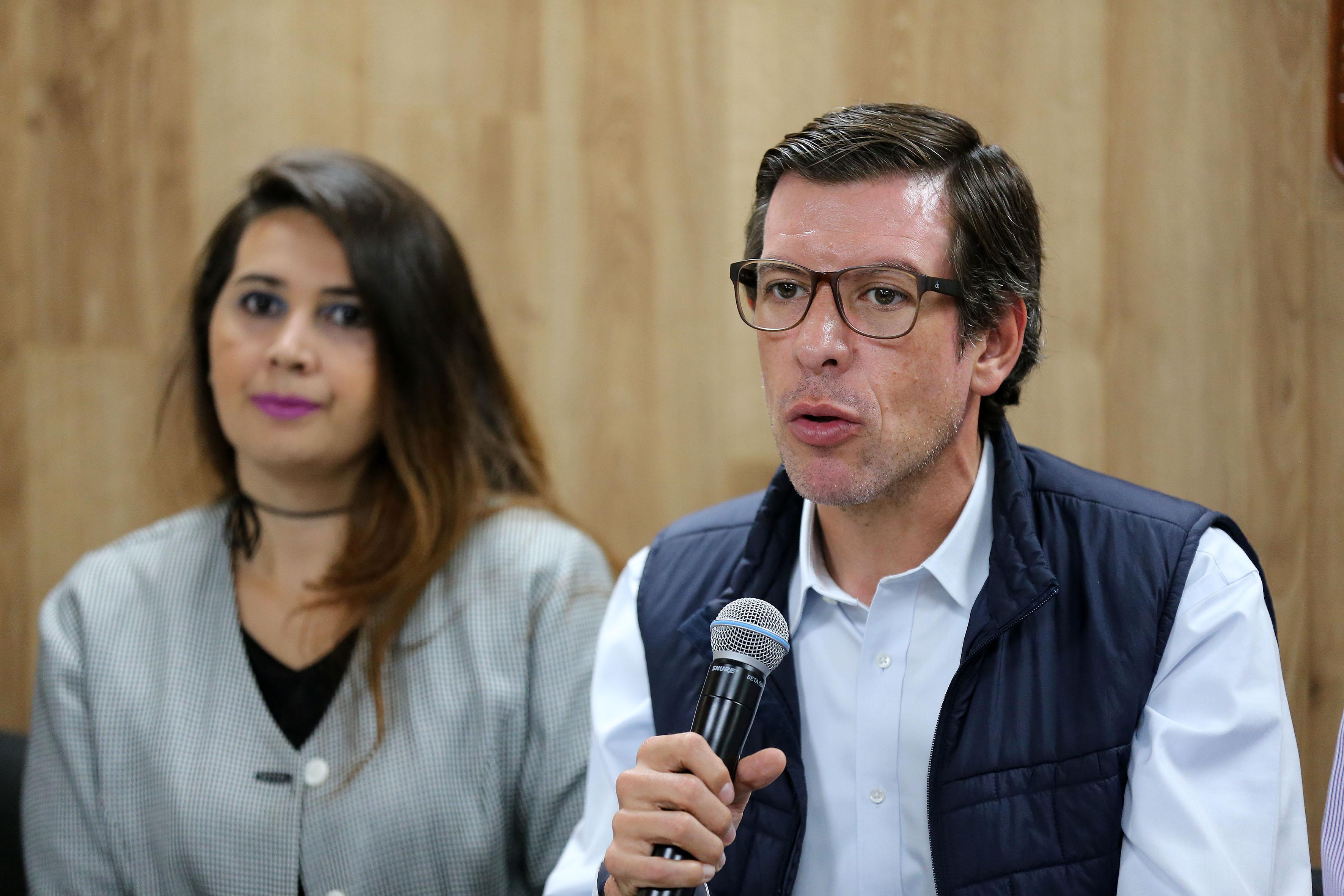Secretario de Desarrollo e Integración Social, Miguel Castro Reynoso, haciendo uso de la palabra.