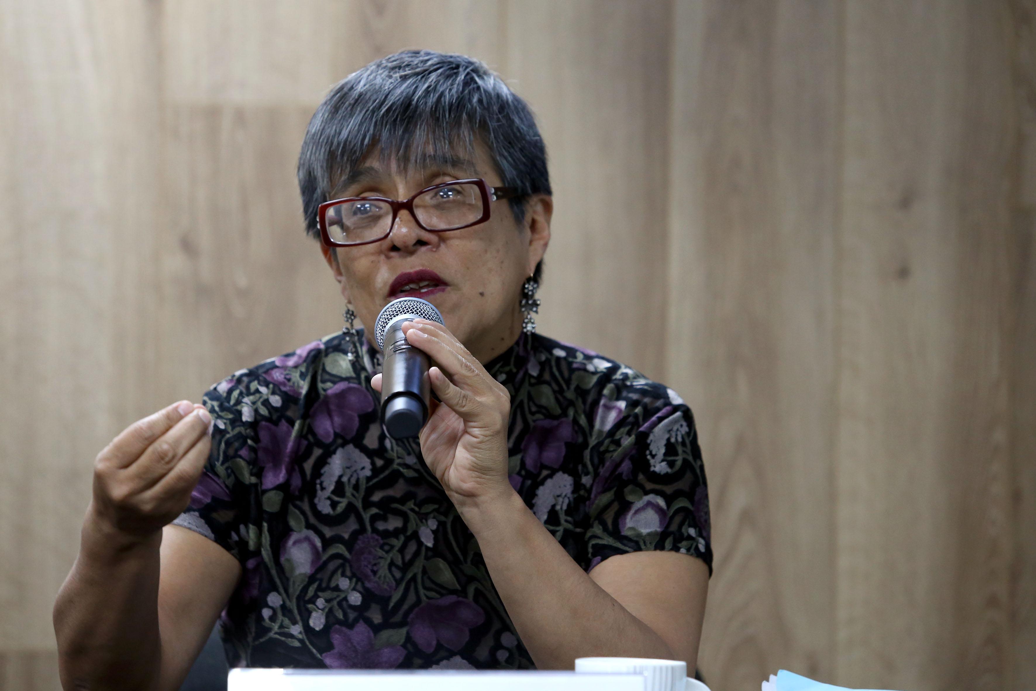 doctora Elvira Hernández Carballido, haciendo uso de la palabra