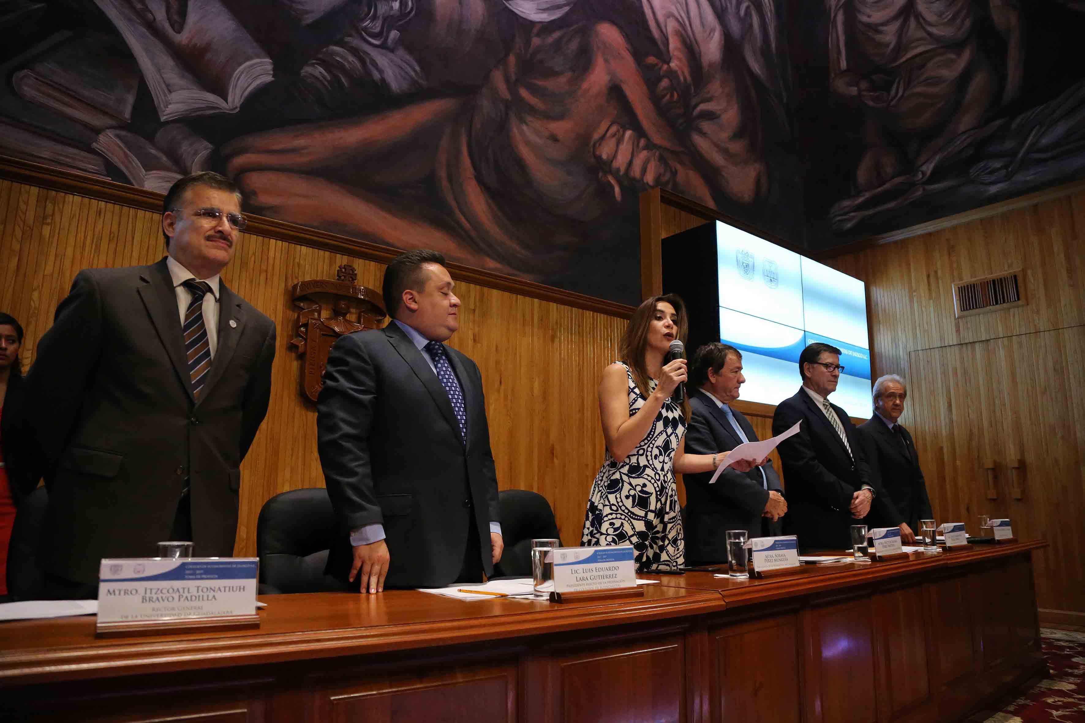 Mtra Soraya Pérez Munguía, Presidenta de la Federación de Colegios de Economistas de la República Mexicana, quien tomó protesta a los nuevos directivos